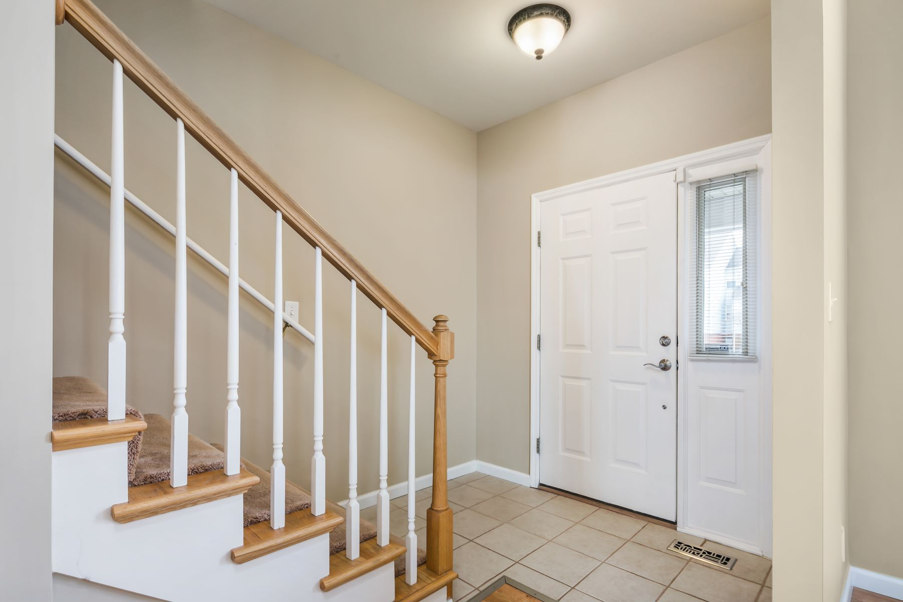 Additional photo for property listing at Newer CWE Home 3953 Westminster Place St. Louis, Missouri 63108 United States
