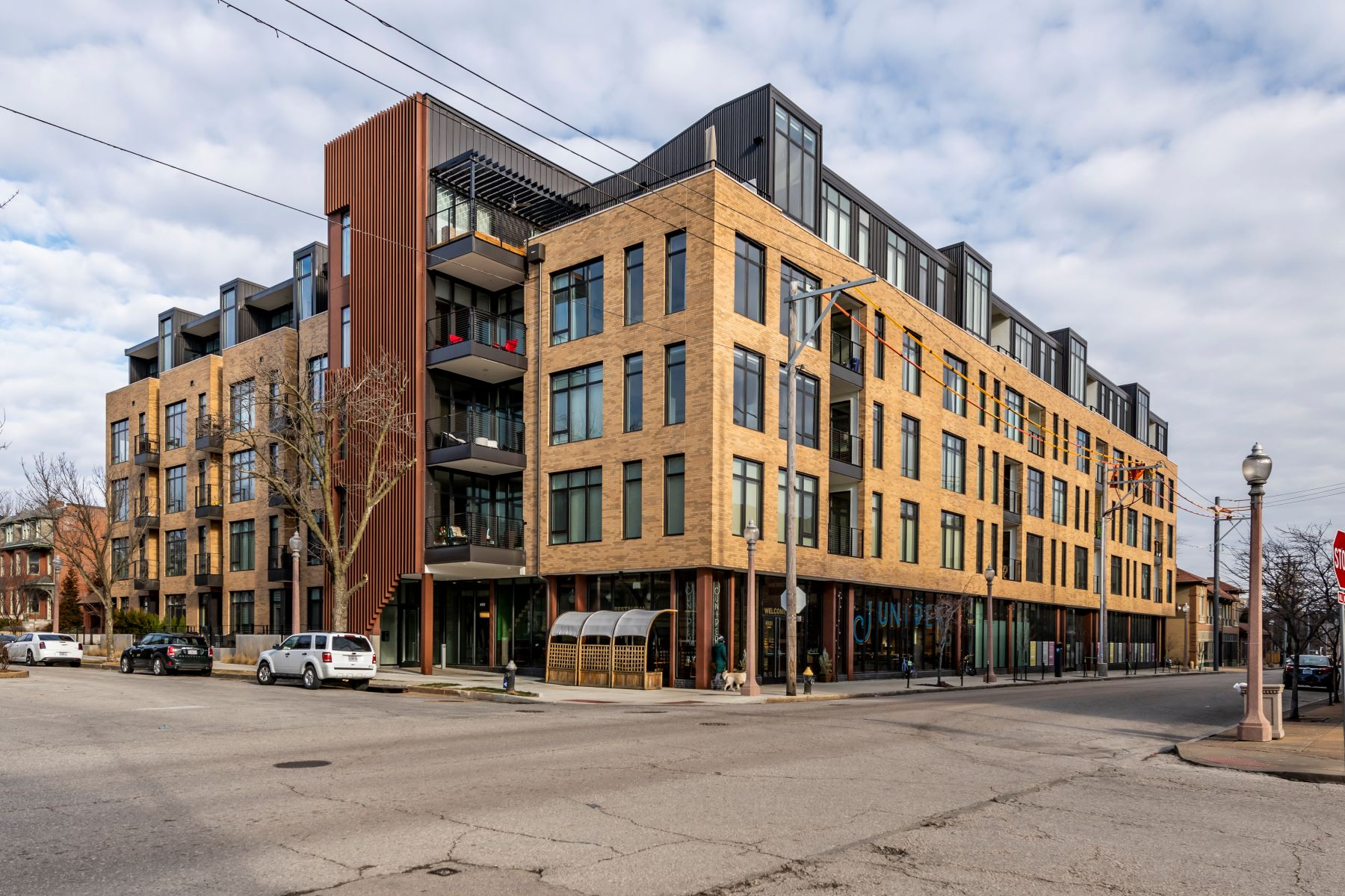 Condominiums for Sale at 4101 Laclede #405 4101 Laclede Avenue #405 St. Louis, Missouri 63108 United States