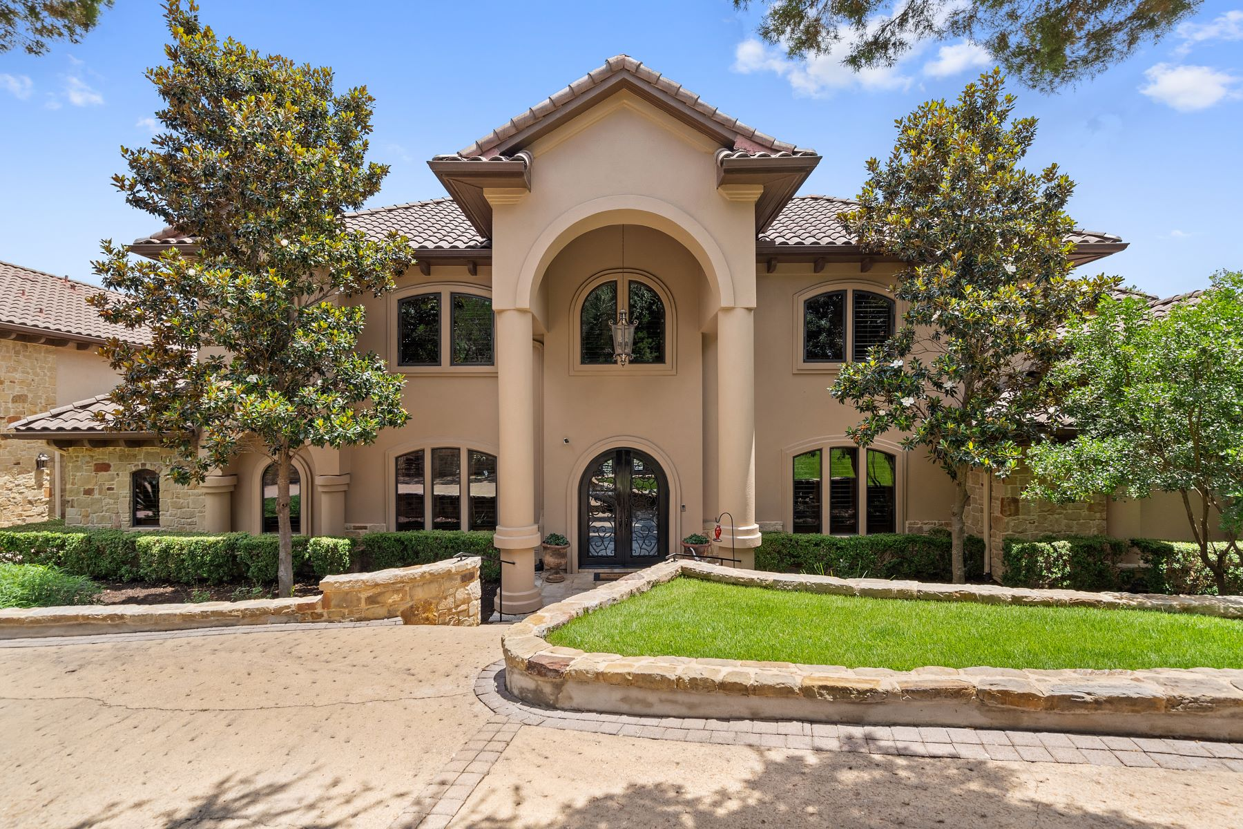 Single Family Homes for Sale at Picturesque Setting in the Texas Hill Country 32 Water Front Avenue Lakeway, Texas 78734 United States