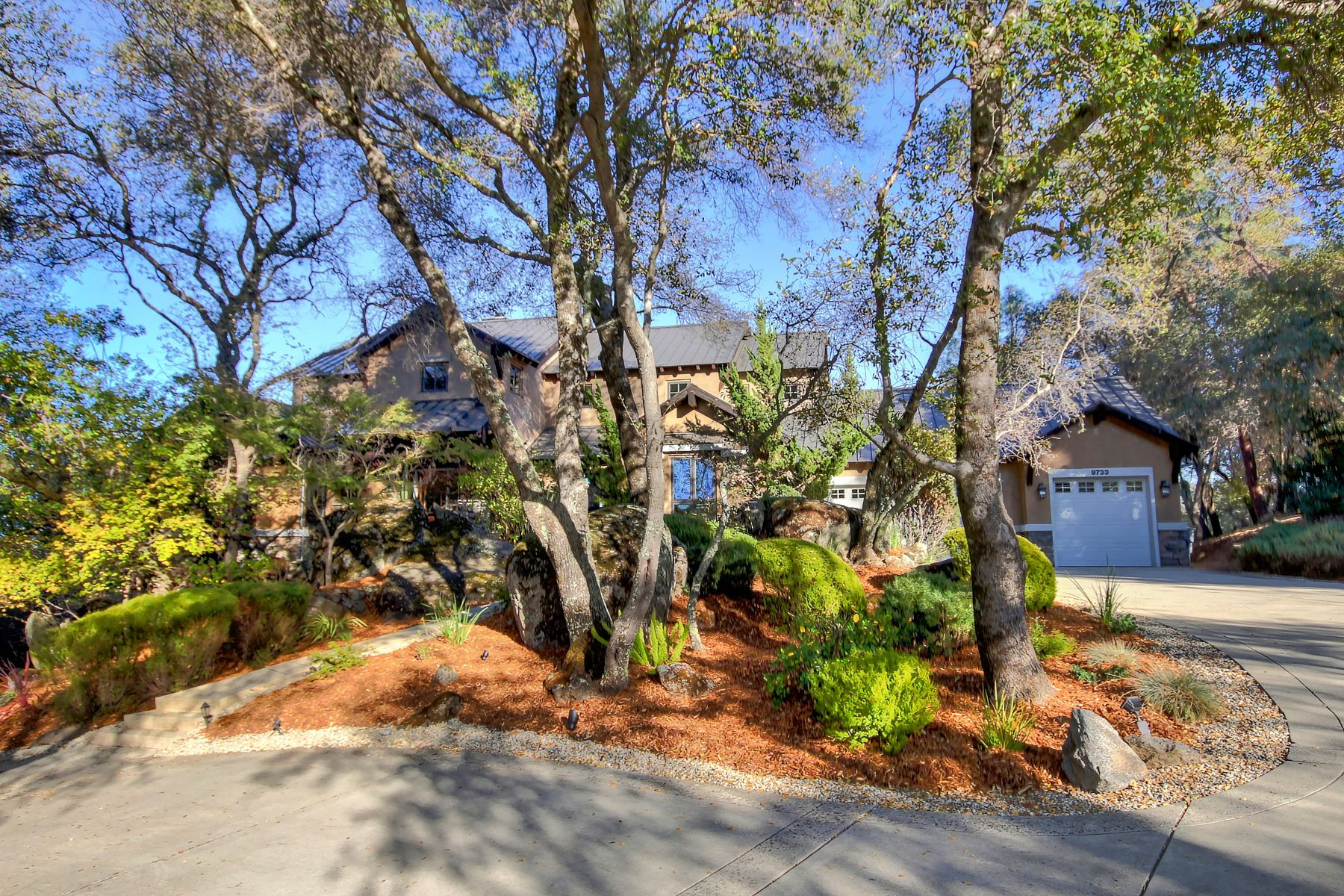 Single Family Homes for Sale at 9733 Rim Rock Circle, Loomis, CA 95650 9733 Rim Rock Circle Loomis, California 95650 United States
