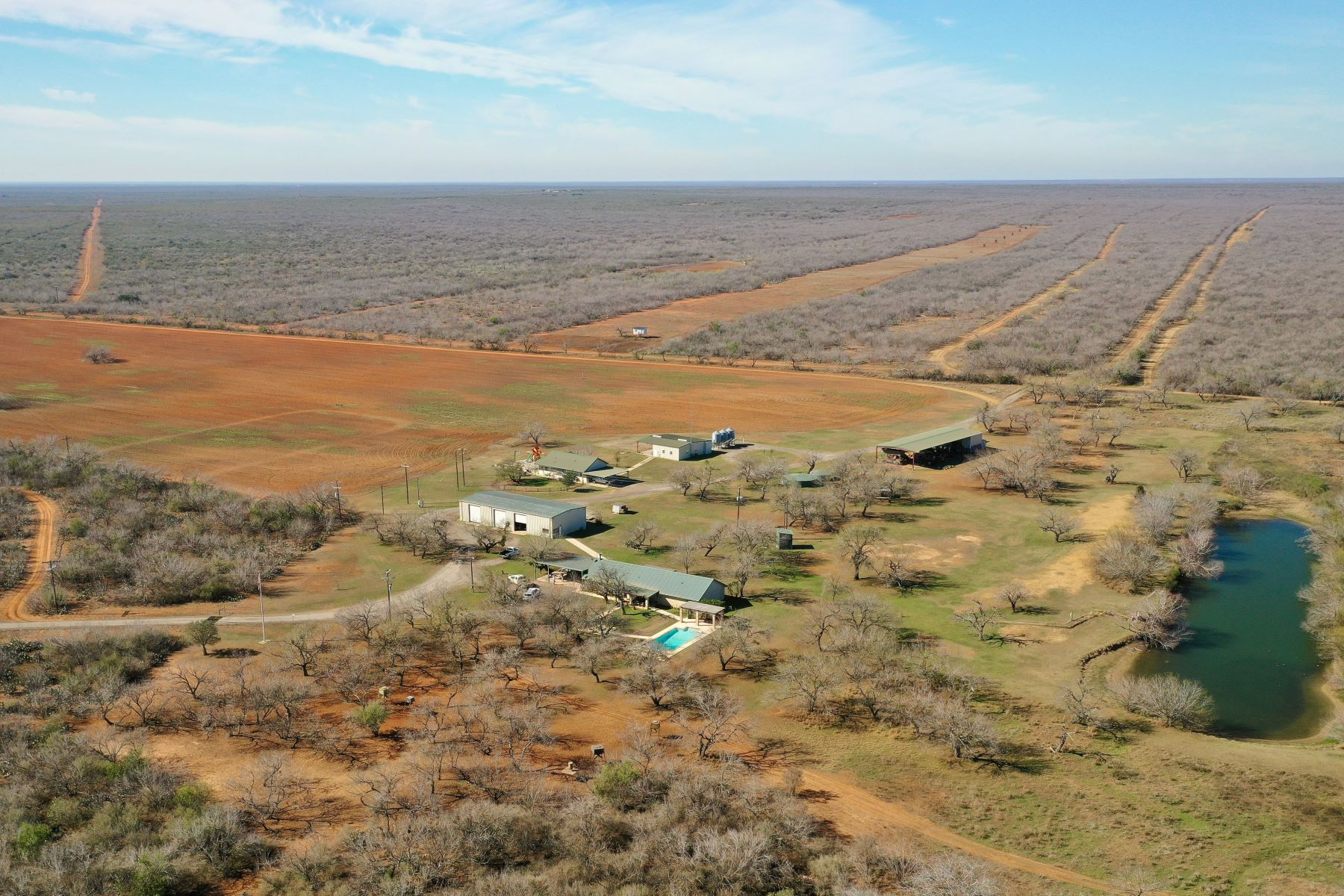Granjas / Hacienda / Platanción por un Venta en 8,195+/- Acres Snake Creek Ranch , Dilley, TX 7801 8,195+/- Acres Snake Creek Ranch Dilley, Texas 7801 Estados Unidos