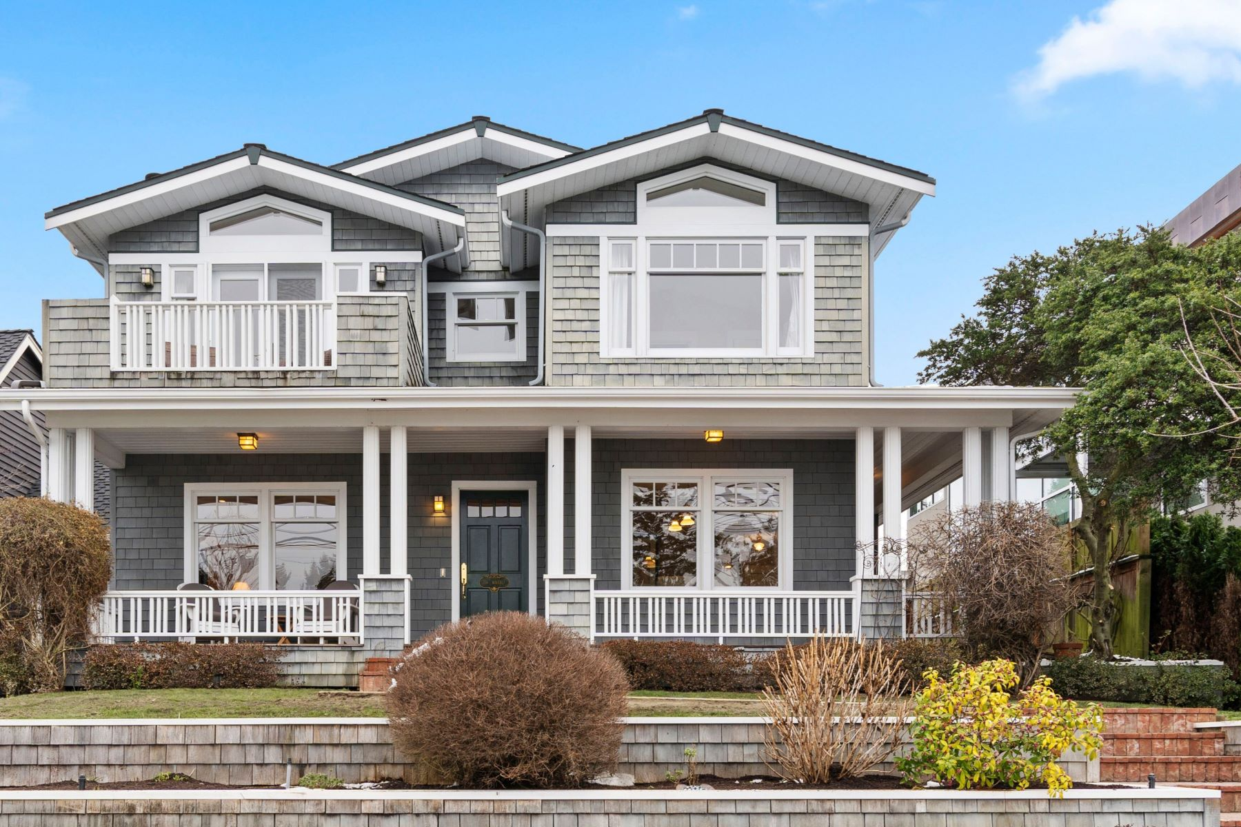 Single Family Homes for Sale at 156 Waverly Way, Kirkland, WA 98033 156 Waverly Way Kirkland, Washington 98033 United States