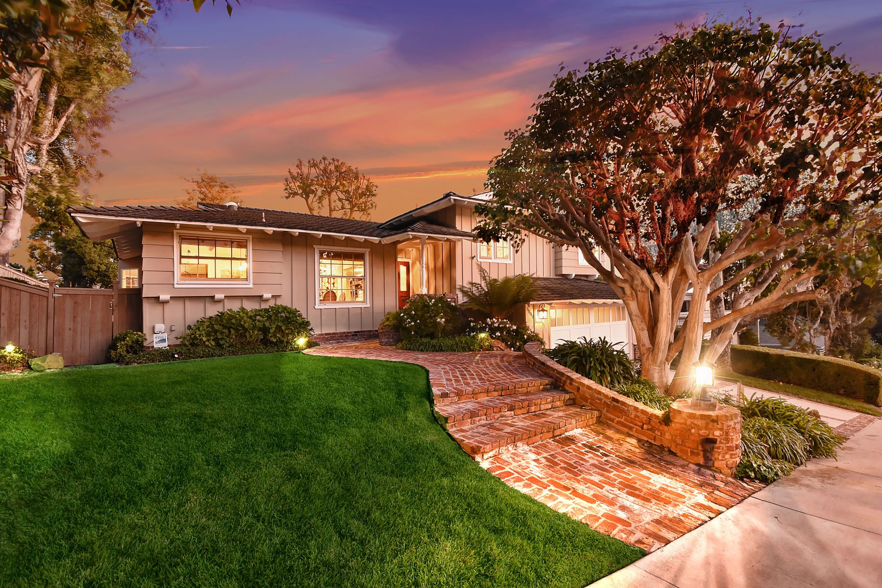 Single Family Homes for Sale at 5648 Whitecliff Drive, Rancho Palos Verdes, CA 90275 5648 Whitecliff Drive Rancho Palos Verdes, California 90275 United States