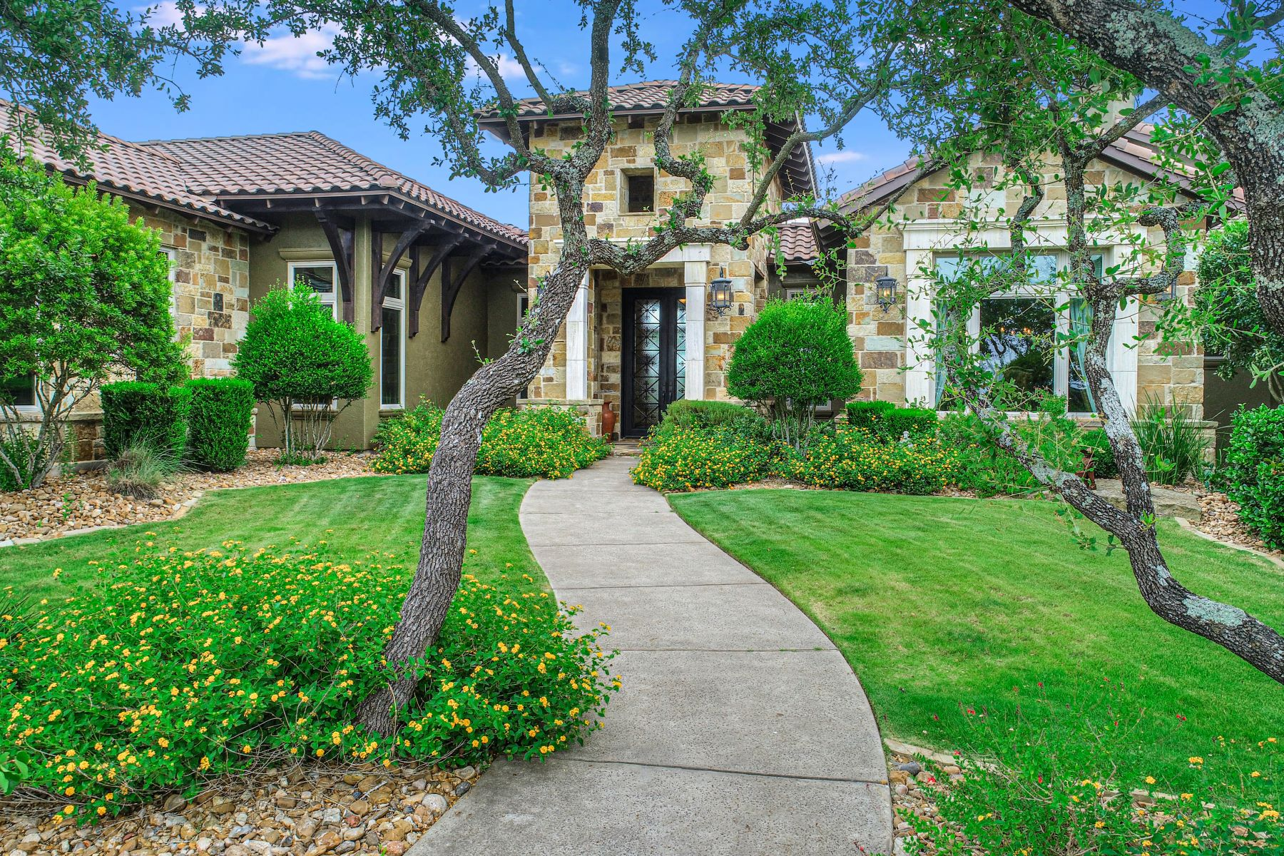 Single Family Homes for Sale at Meticulously Built Hilltop Estate With Panoramic Views 43 Thunder Hill Boerne, Texas 78006 United States