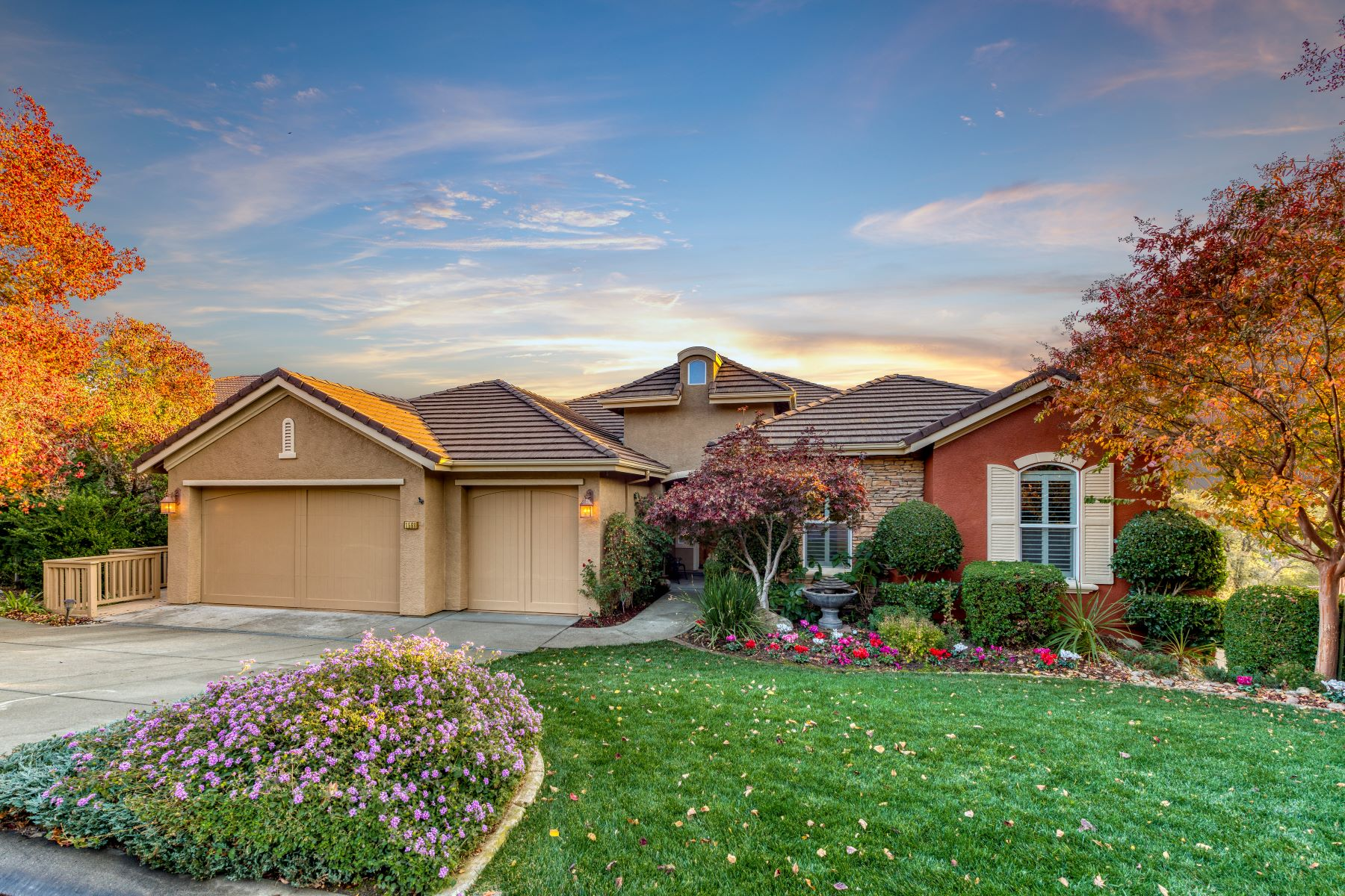 Single Family Homes for Active at 1568 Oak Hill Way,Roseville, CA 95661 1568 Oak Hill Way Roseville, California 95661 United States