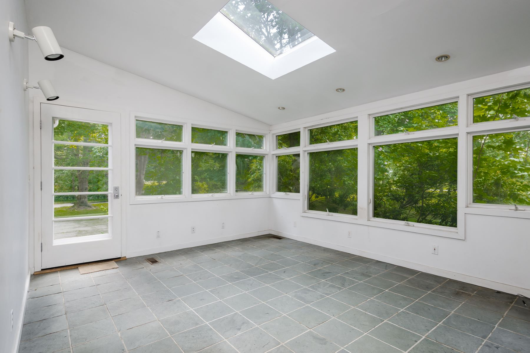 Additional photo for property listing at Ready To Be Transformed 351 Cold Soil Road, Princeton, New Jersey 08540 United States