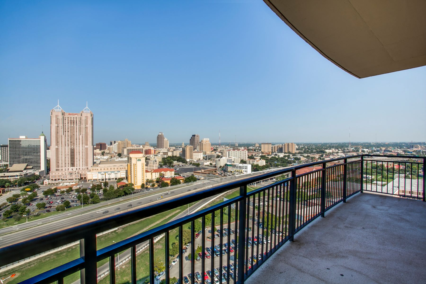 Condominium for Sale at Rare Luxury Living Opportunity at the Top 215 Center Street #1901 San Antonio, Texas 78202 United States