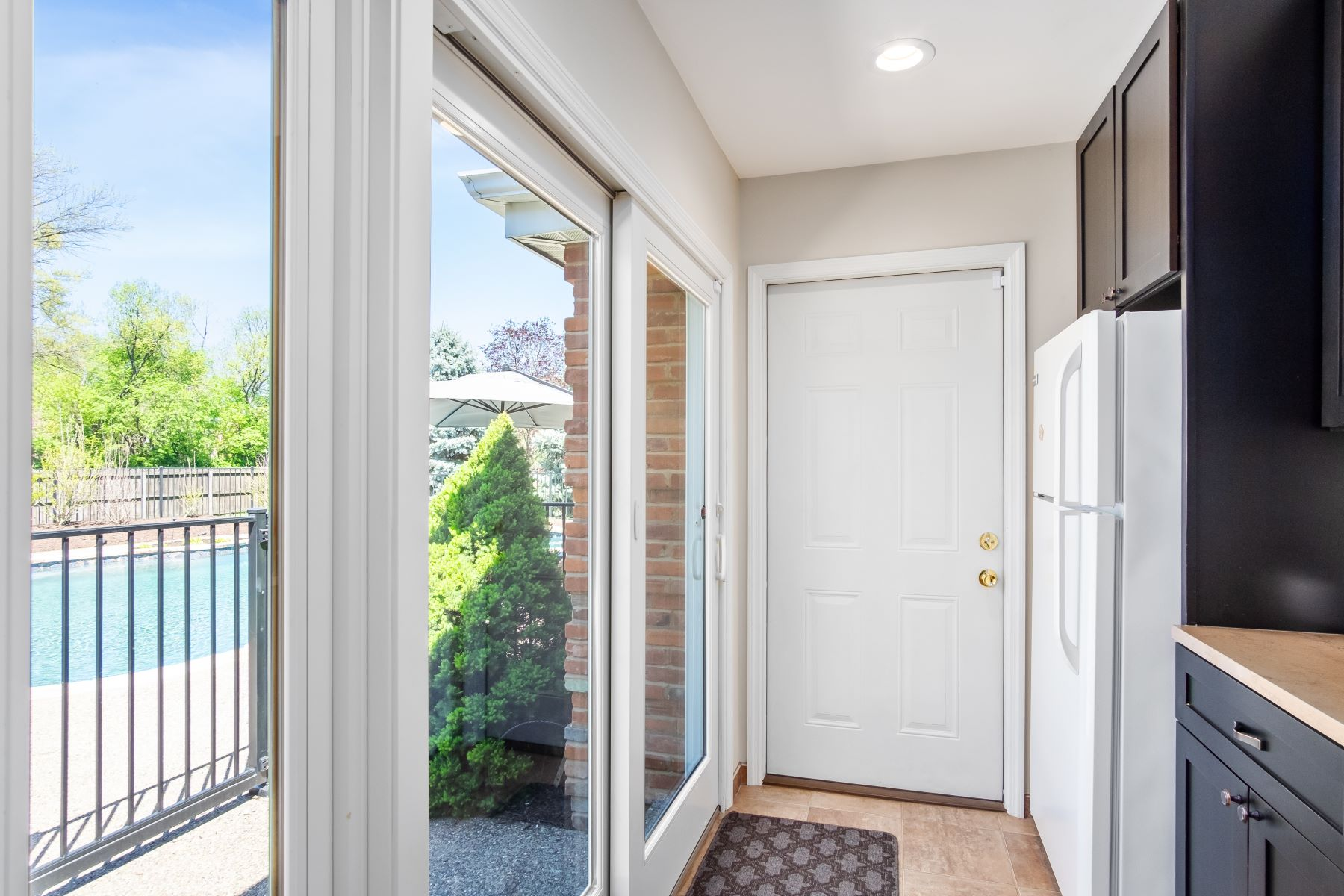 Additional photo for property listing at Urban Living in CWE with Suburban Amenities 5337 Lindell Boulevard St. Louis, Missouri 63112 United States