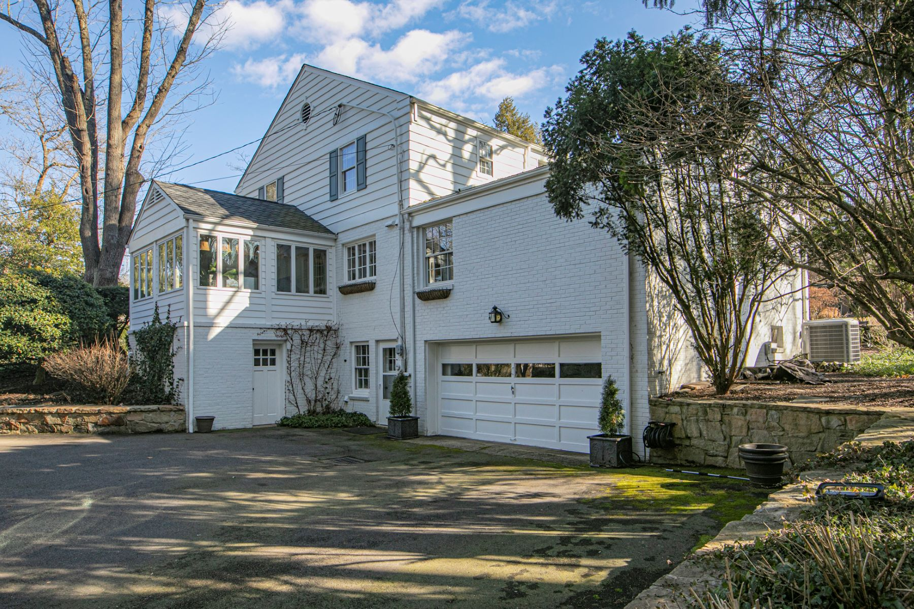 Additional photo for property listing at Sophisticated Style, Steps From Battlefield Park 119 Parkside Drive, Princeton, New Jersey 08540 United States