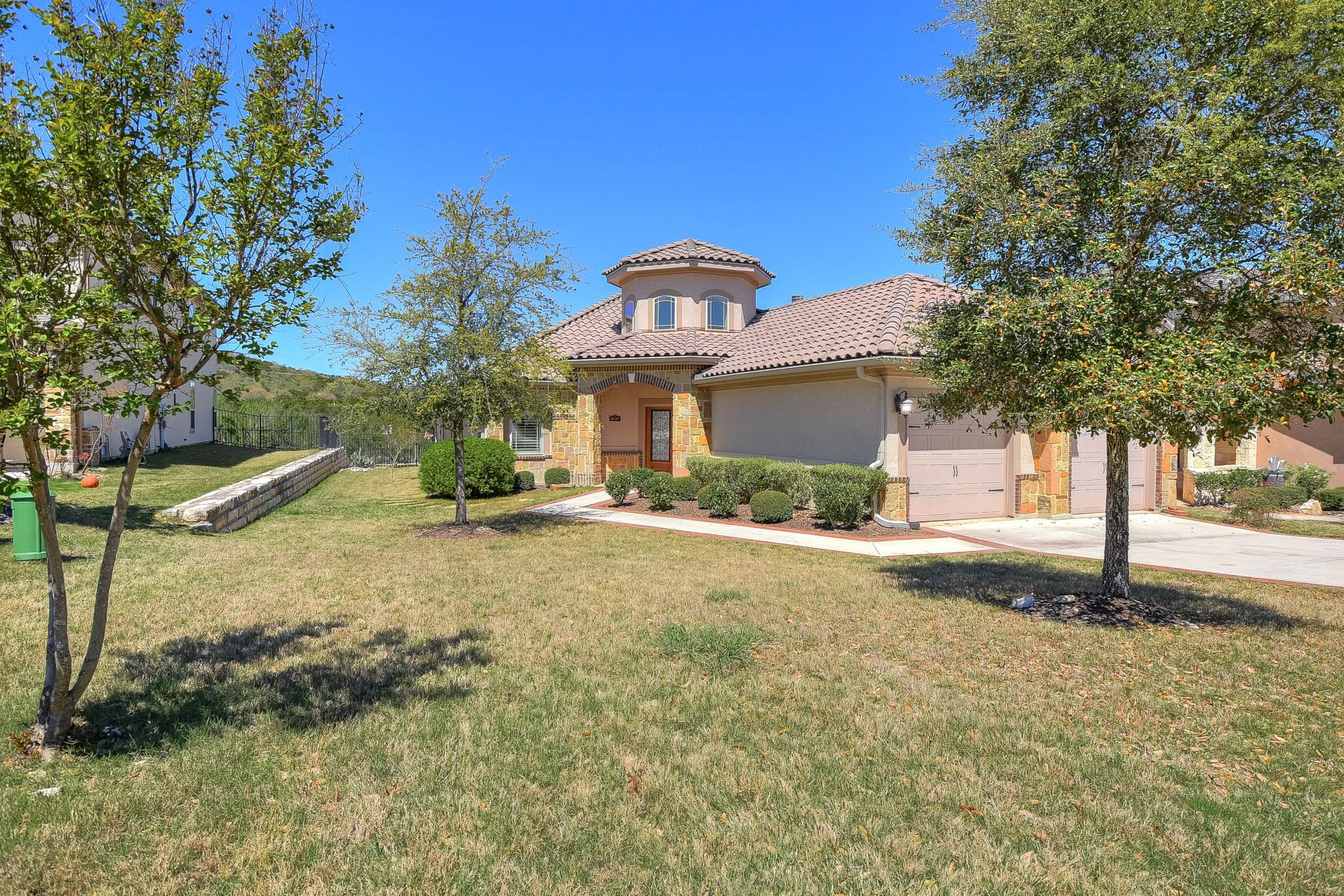 Single Family Home for Sale at Home in Sonoma Verde 8139 Powderhorn Run San Antonio, Texas 78255 United States
