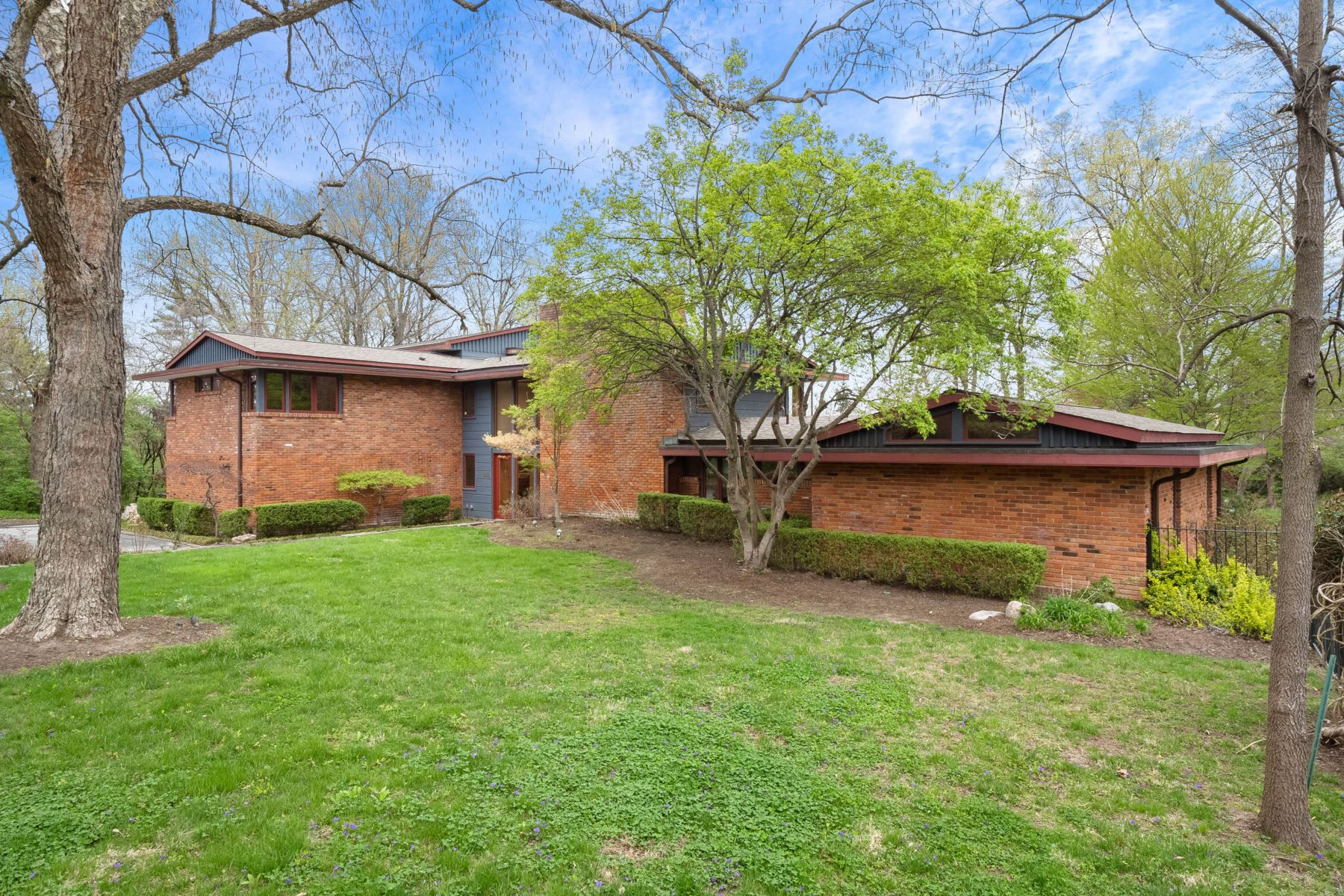 Additional photo for property listing at Important Mid-Century Home Designed by Ted Christner 1160 Lay Road Richmond Heights, Missouri 63124 United States