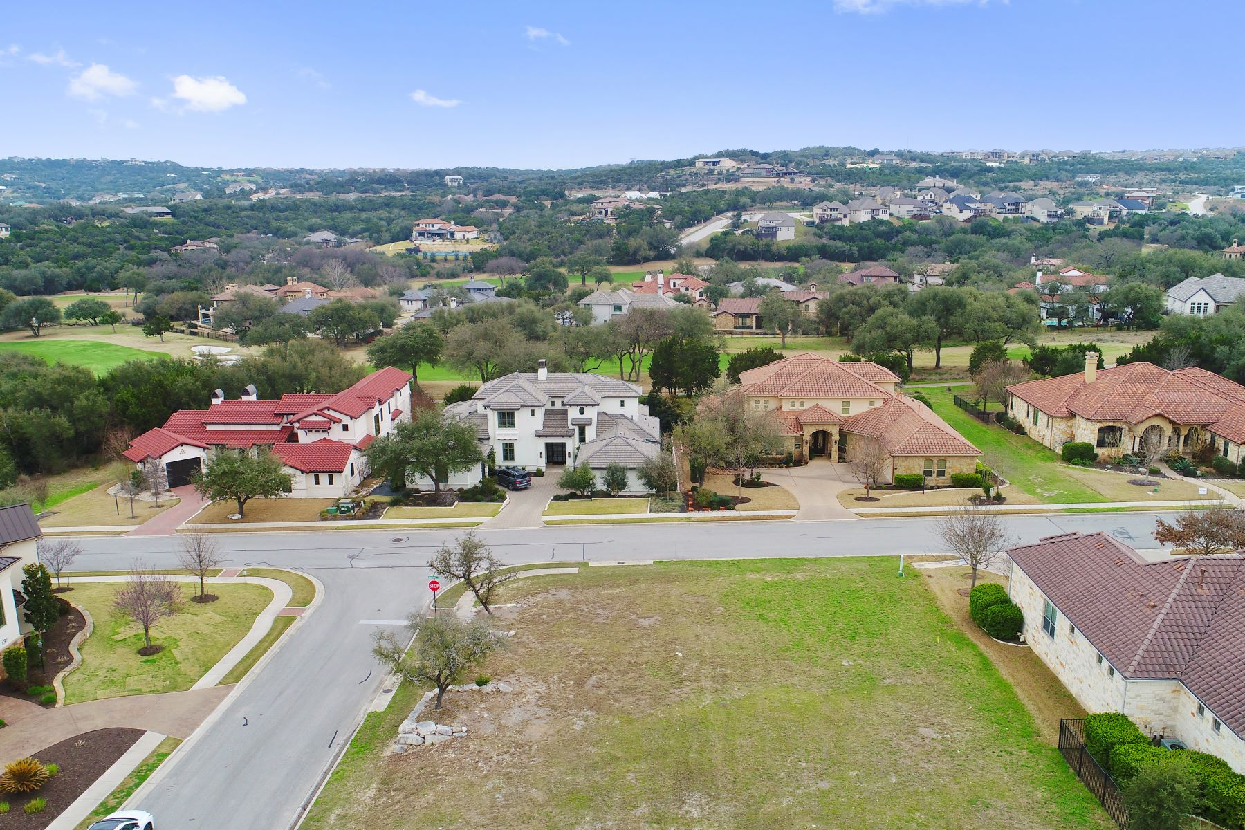 Additional photo for property listing at Lovely and Level Corner Lot 215 Black Wolf Run Austin, Texas 78738 United States
