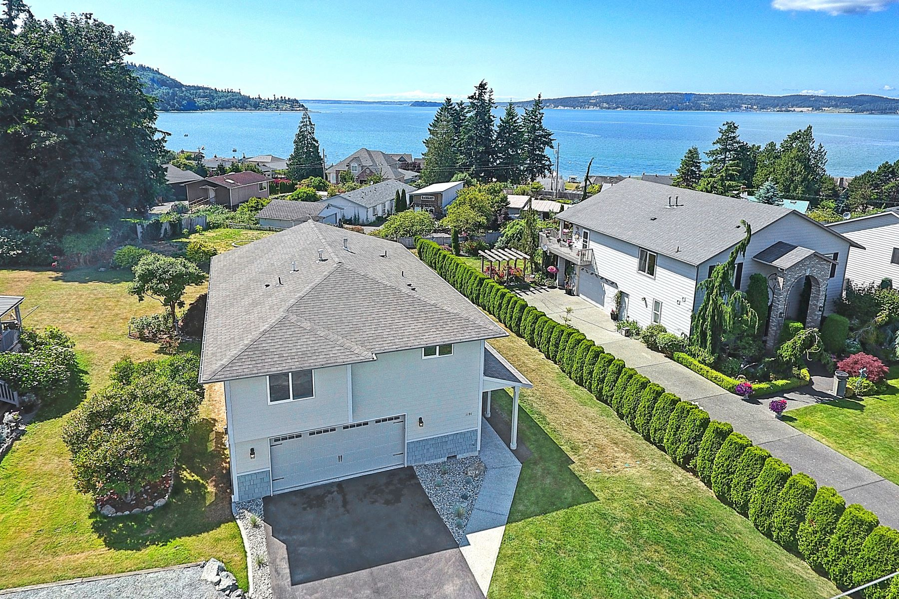 Single Family Homes for Sale at 1191 Pleasant View St, Camano, WA 98282 1191 Pleasant View St Camano, Washington 98282 United States