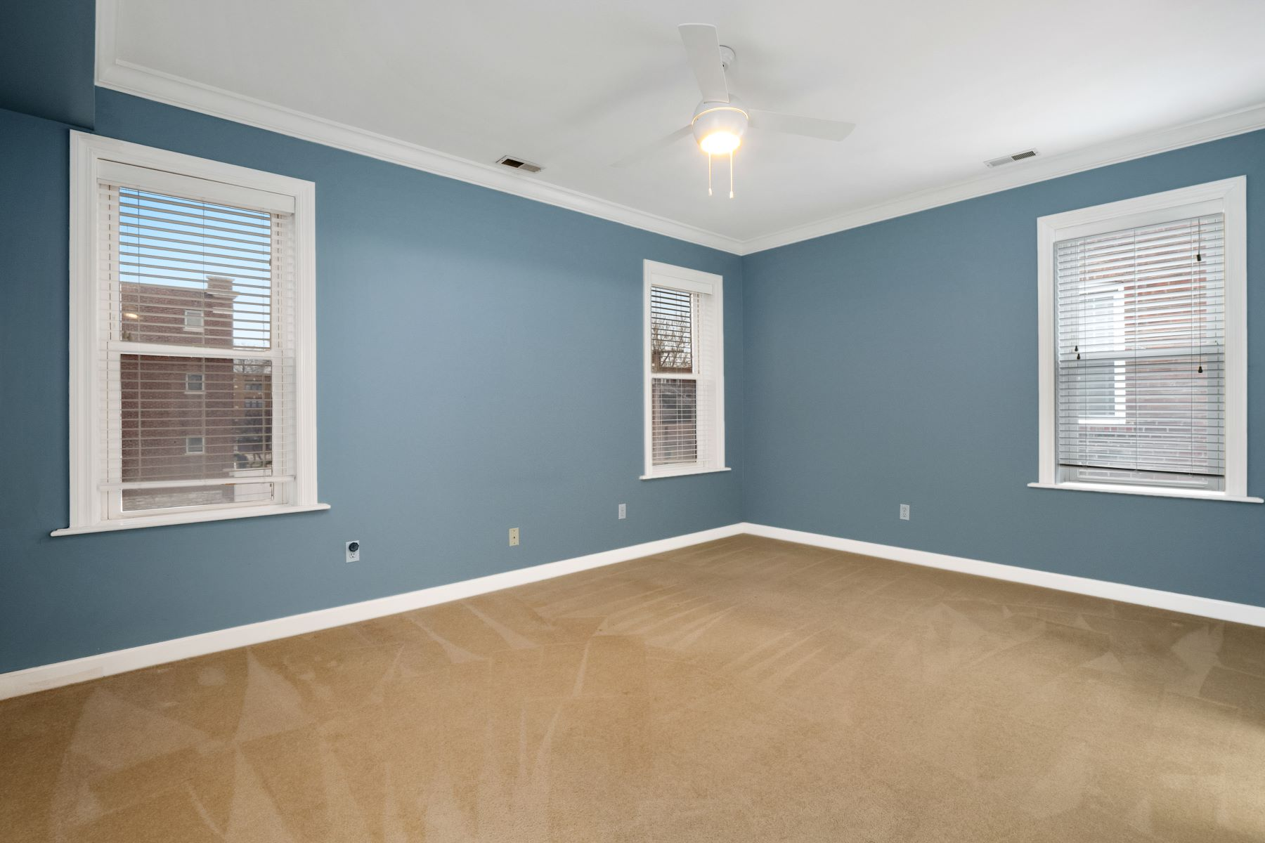 Additional photo for property listing at Hi-Pointe/DeMun's Finest Condo Available! 6232 Rosebury Avenue #3W St. Louis, Missouri 63105 United States