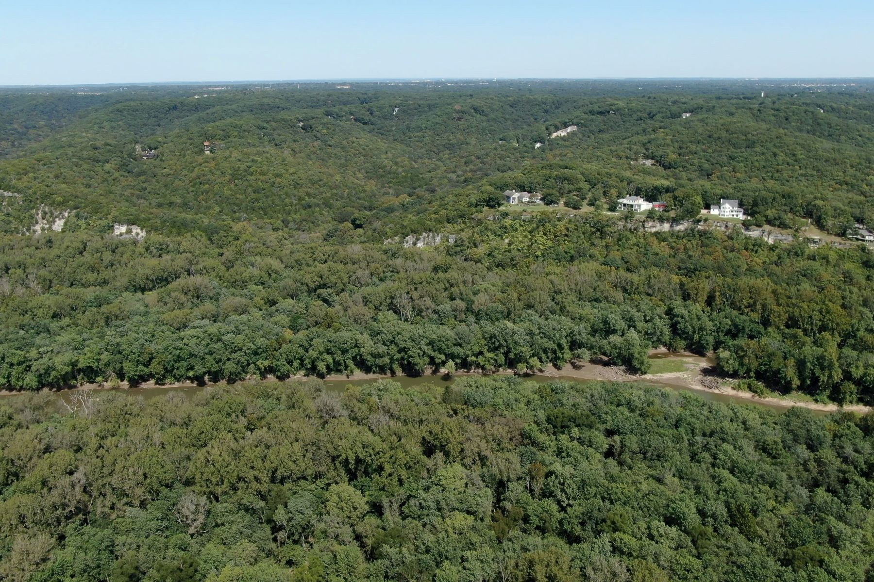 Additional photo for property listing at 17-acre parcel in Rockwood School District with unmatched views 1541 Lookout Mountain Drive, Wildwood, Missouri 63021 United States