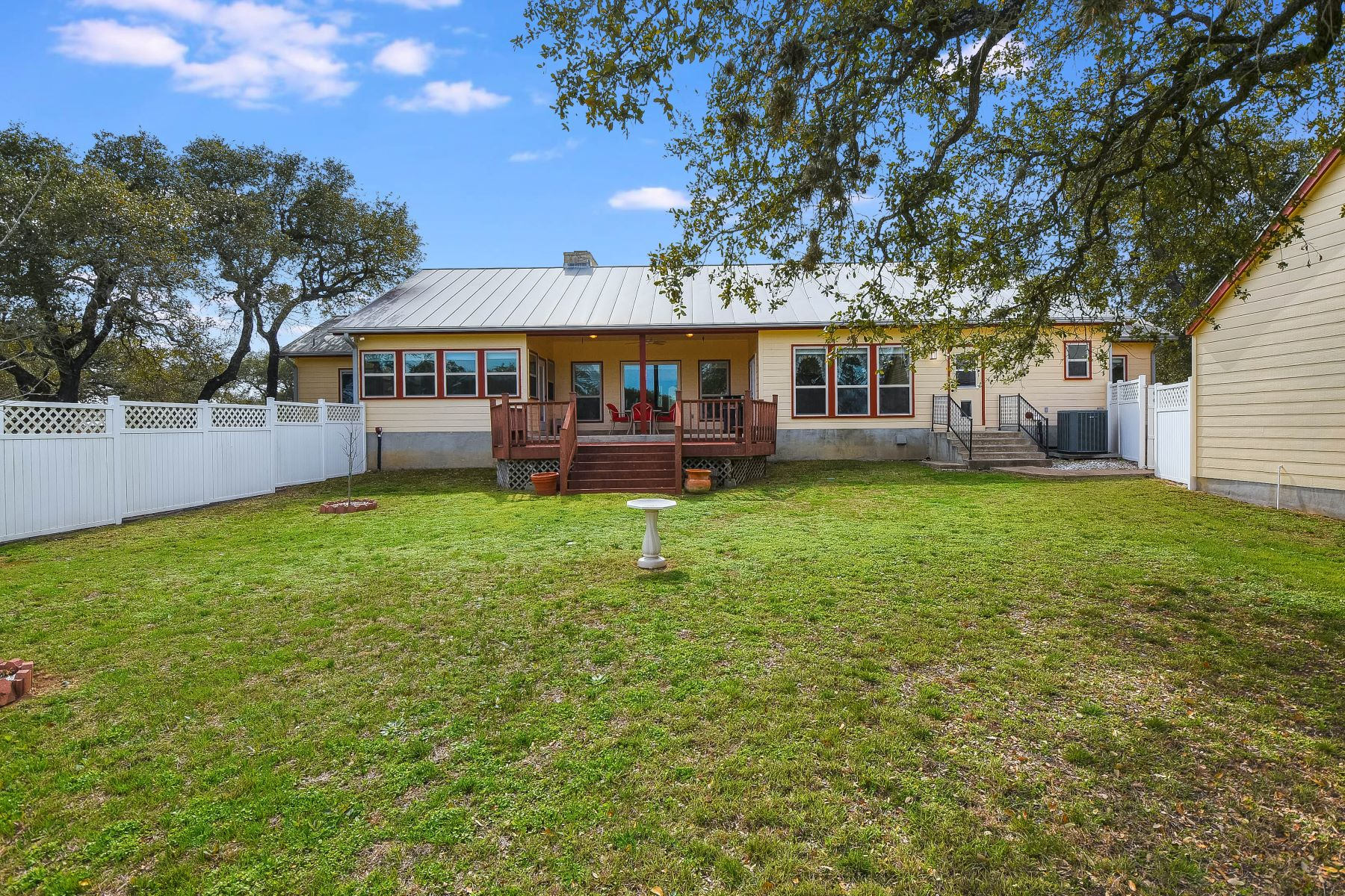 Additional photo for property listing at Country Living with Acreage 309 Pecan Parkway Boerne, Texas 78006 Estados Unidos