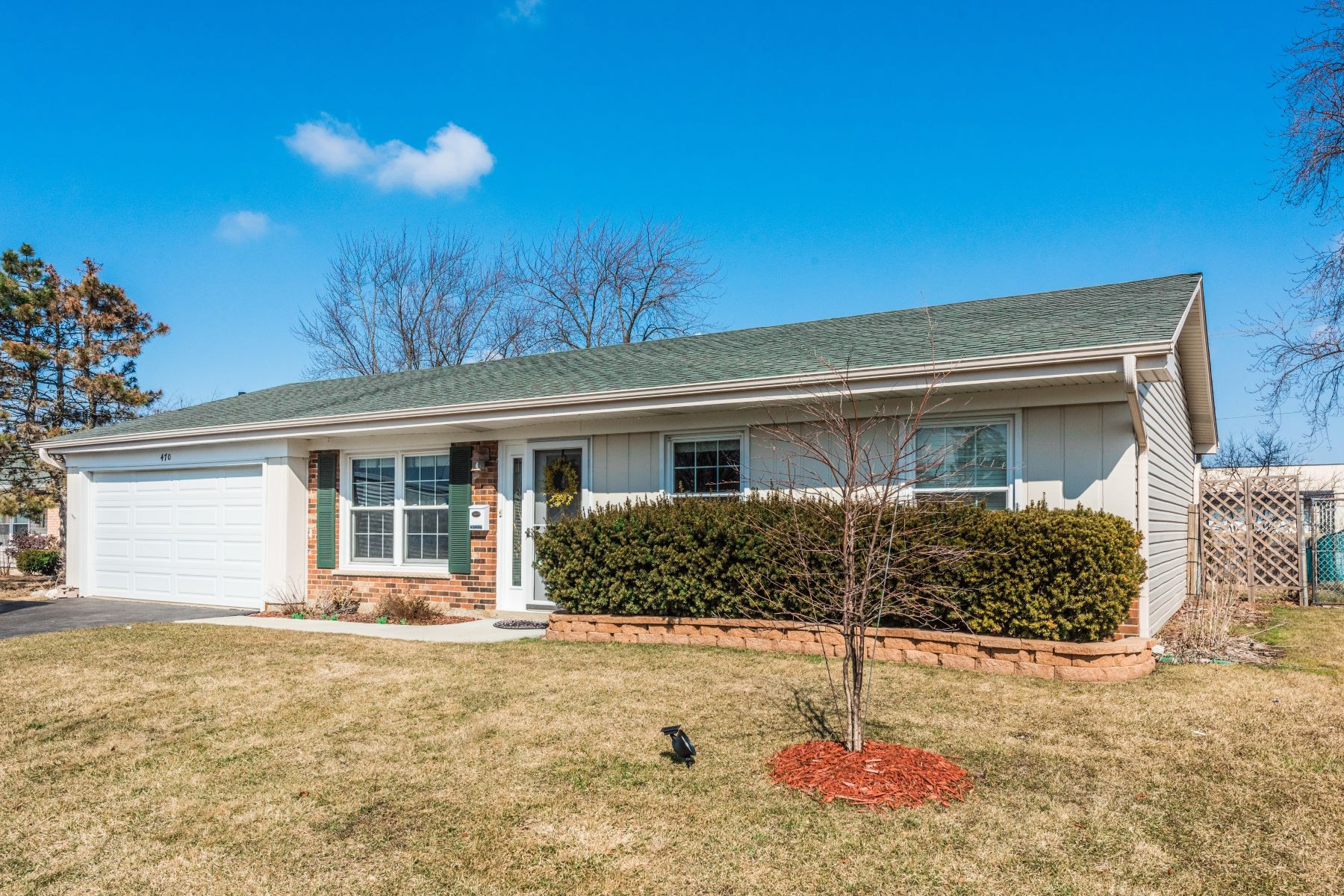 Single Family Home for Sale at Old Mill Grove Subdivision 470 Burr Oak Drive Lake Zurich, Illinois 60047 United States