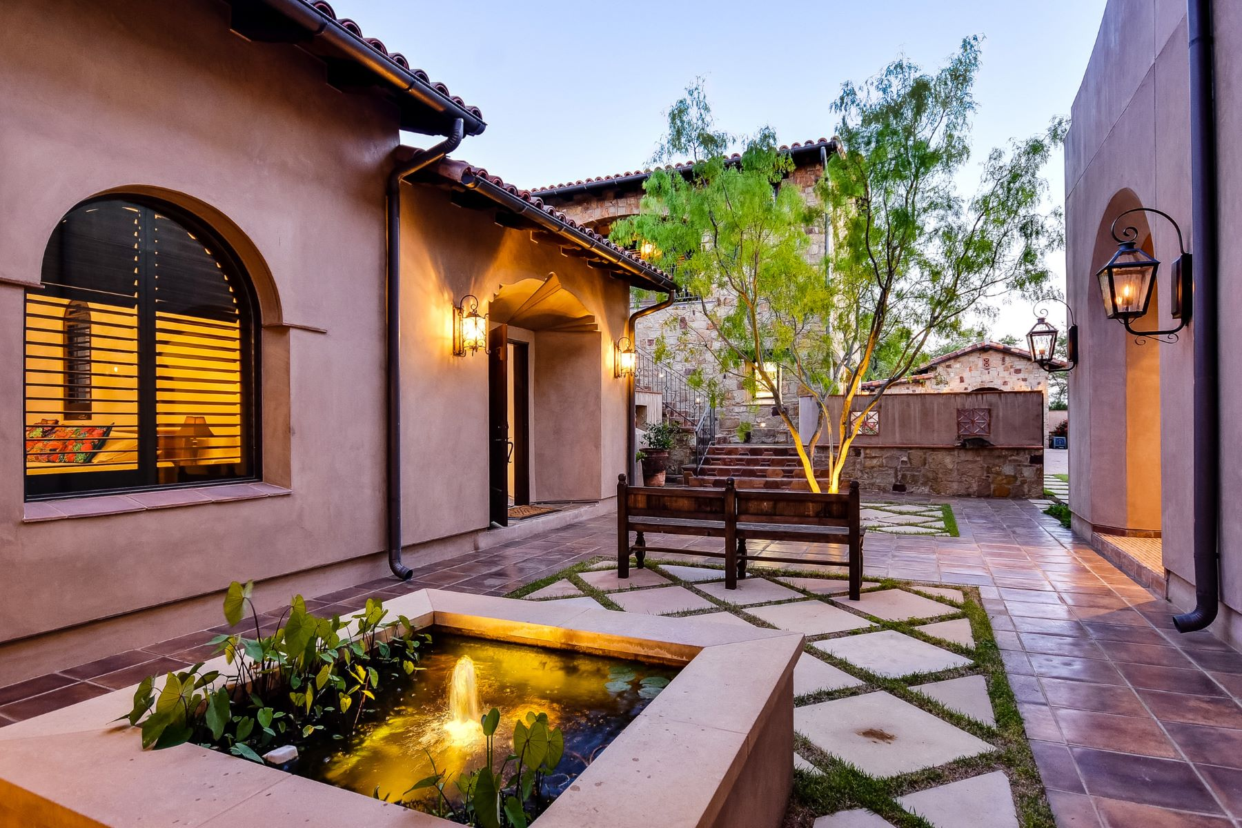 Additional photo for property listing at Stunning Hacienda on 8.7 Acres 2401 Dominion Hill Austin, Texas 78733 United States
