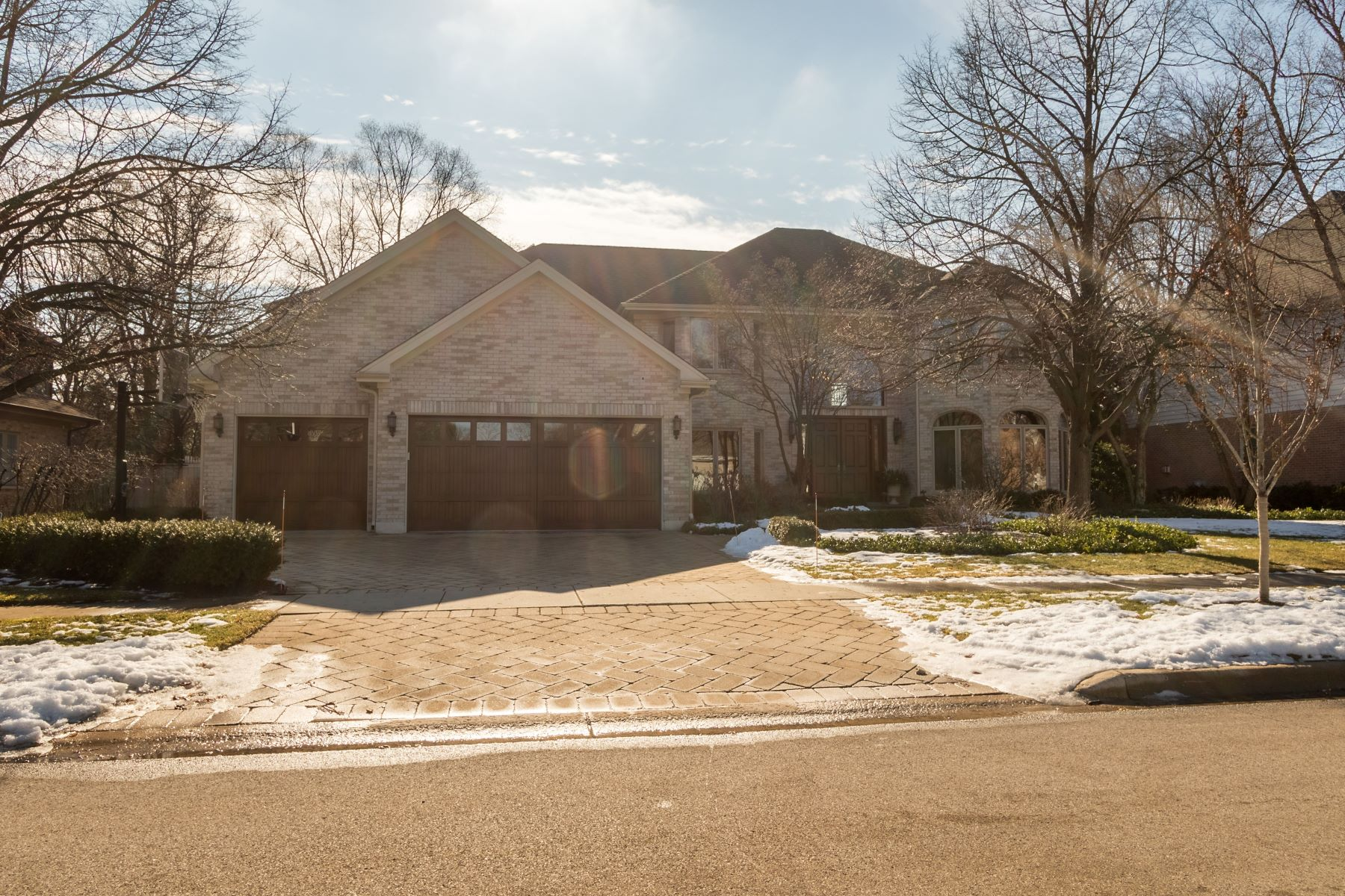 Single Family Homes for Active at Beautiful Custom Northbrook Home 2617 Maple Avenue Northbrook, Illinois 60062 United States
