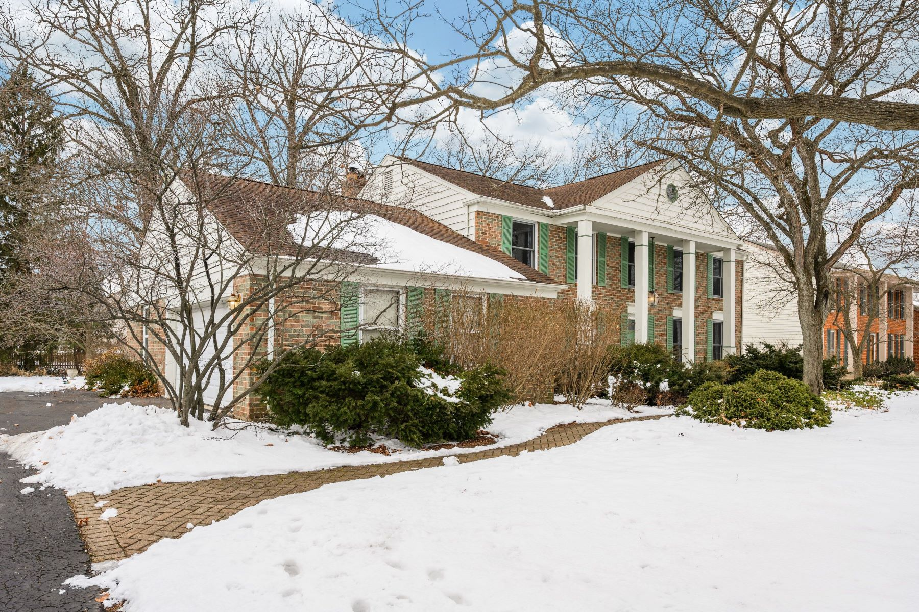 Single Family Homes for Active at Rare Available Colonial 67 Berkshire Lane Lincolnshire, Illinois 60069 United States