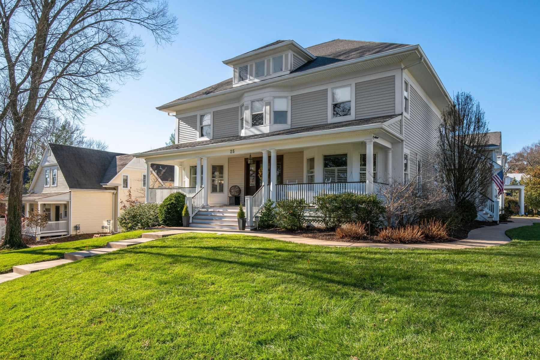 Single Family Homes for Sale at Graceful Colonial Revival in Ideal Location 25 Edwin Avenue Glendale, Missouri 63122 United States