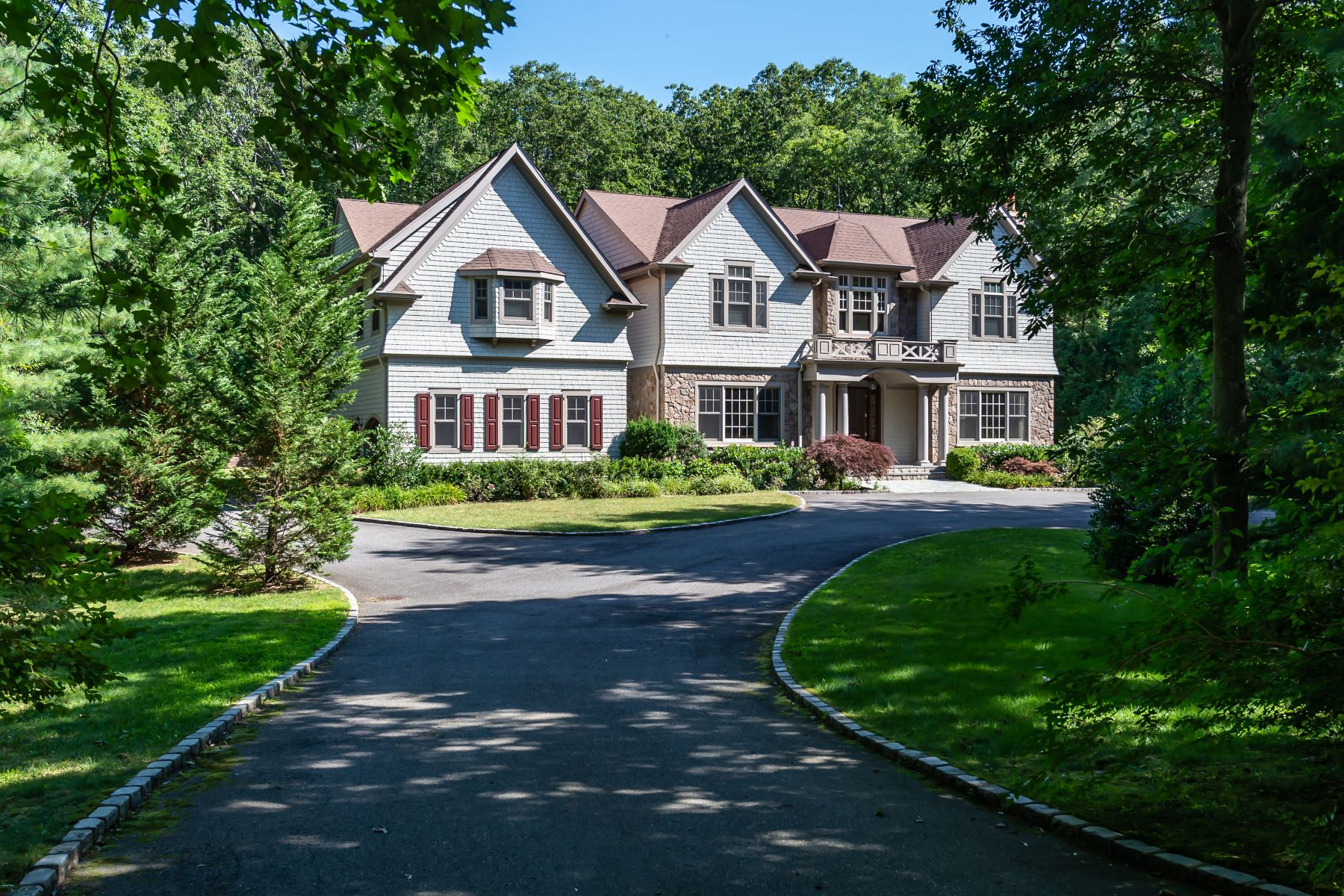 Single Family Homes 為 出售 在 171 Stillwell Lane, Laurel Hollow, Ny, 11791 Laurel Hollow, 纽约 11791 美國