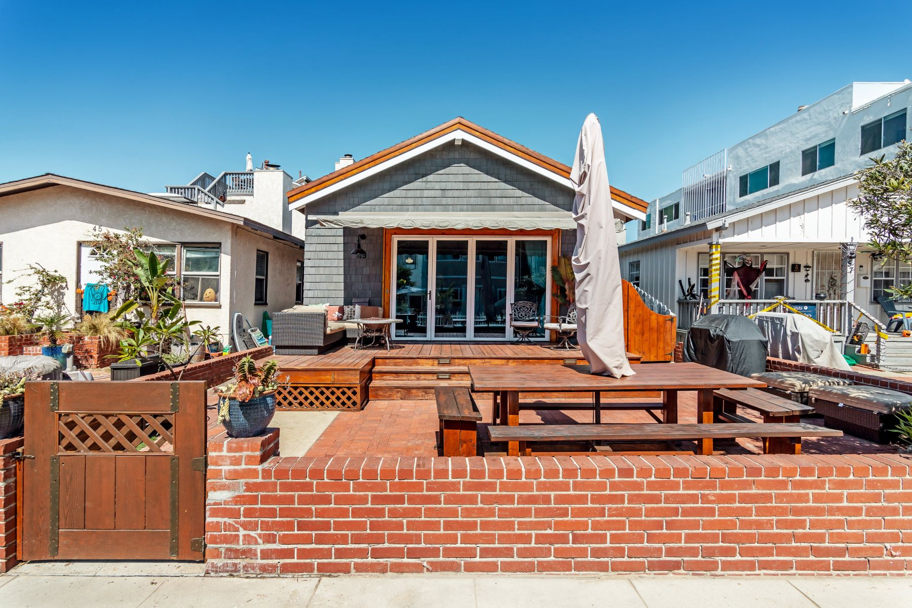 Single Family Homes for Sale at 49 7th Street, Hermosa Beach, CA 90254 49 7th Street Hermosa Beach, California 90254 United States