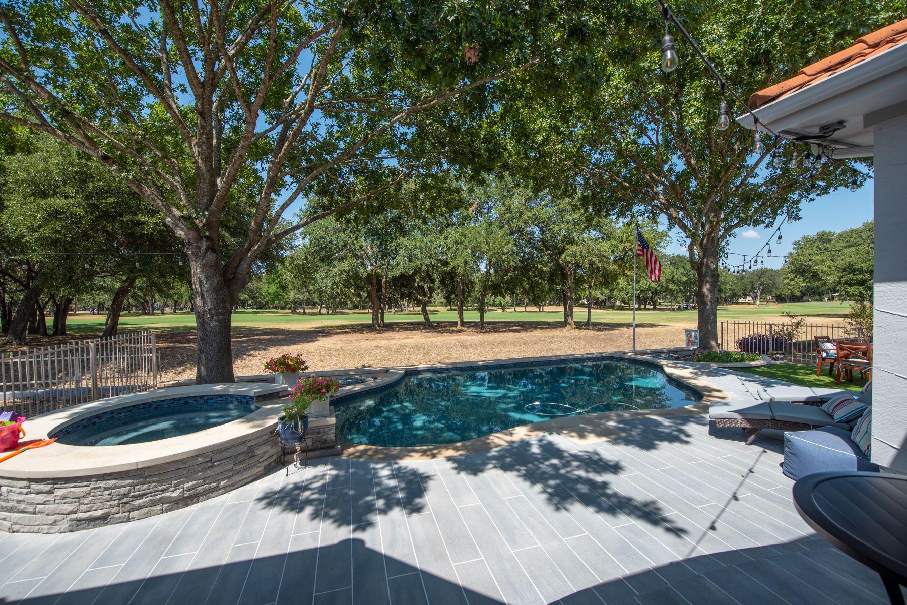 Single Family Homes 용 매매 에 Berry Creek Golf with Pool 30311 Ledgemont, Georgetown, 텍사스 78628 미국