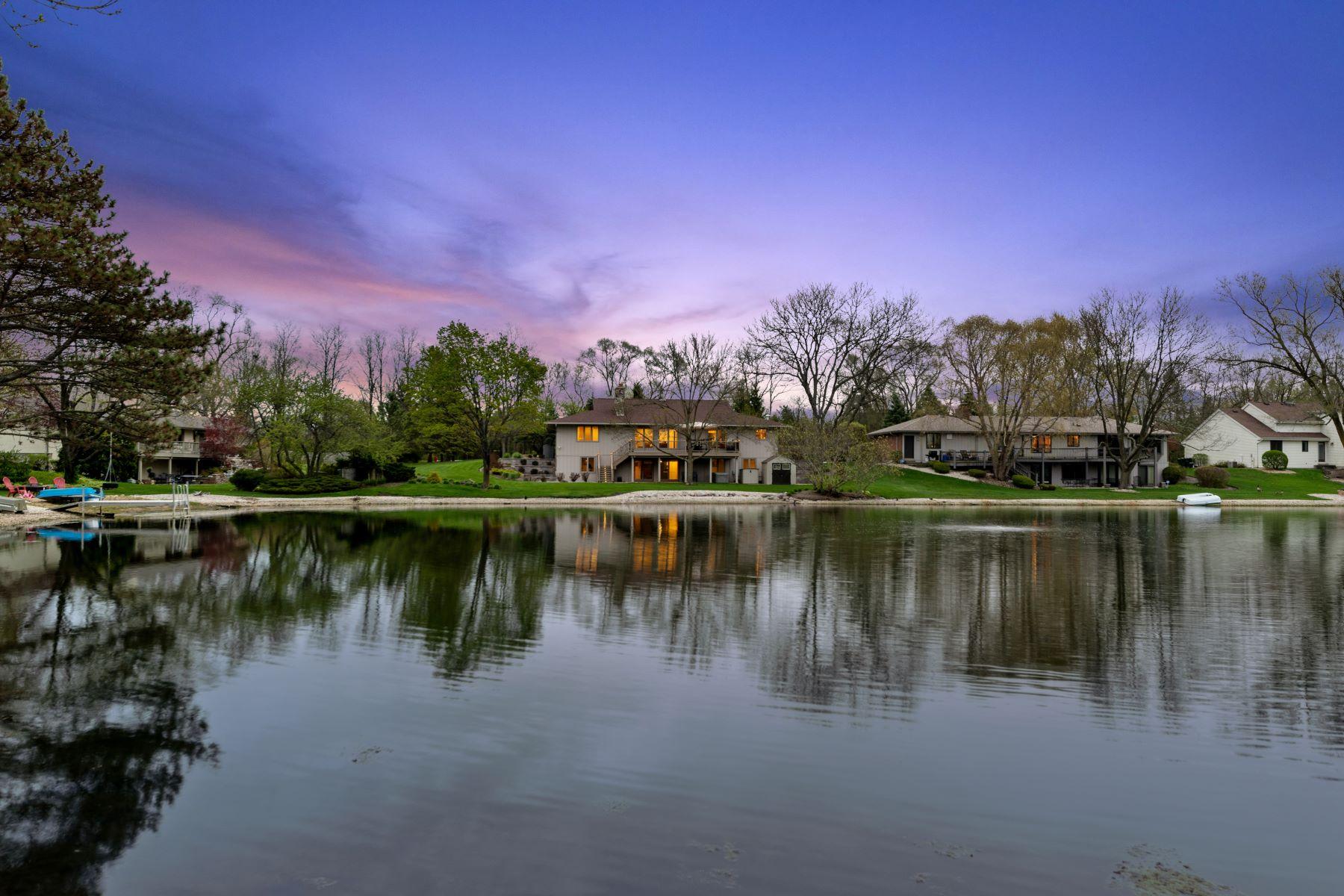 Single Family Homes για την Πώληση στο Waterfront Contemporary Ranch 170 S Ela Road Barrington, Ιλινοϊσ 60010 Ηνωμένες Πολιτείες