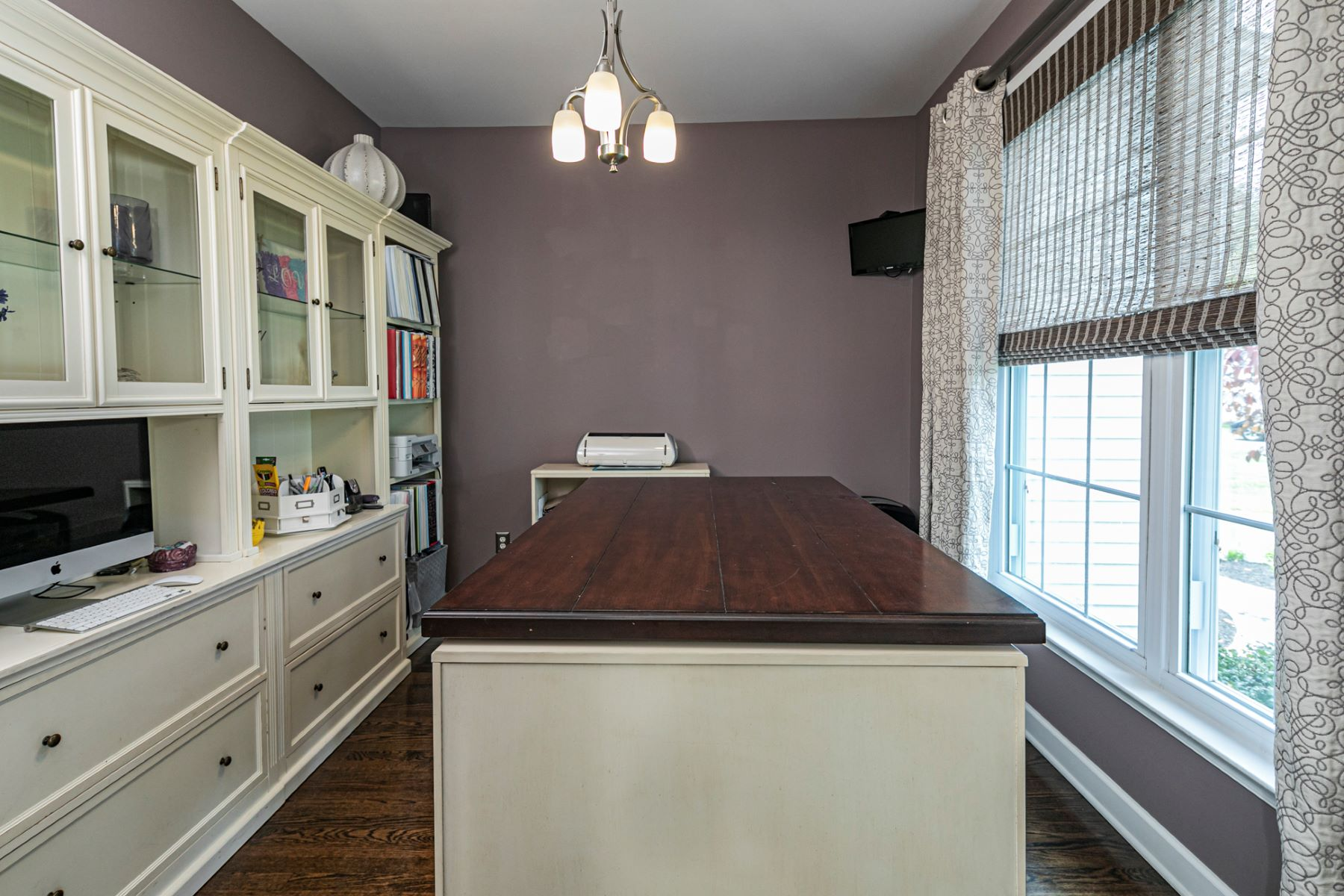 Additional photo for property listing at Sparkling Renovation To This Cul-de-sac Home 14 Wolverton Lane, Hillsborough, New Jersey 08844 United States