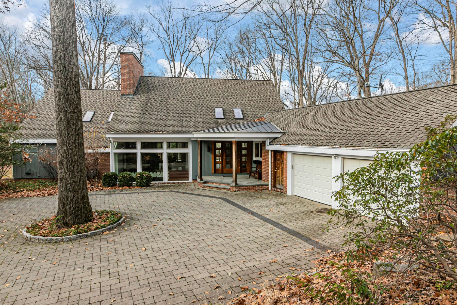 Property för Försäljning vid Immaculately Presented Home With A Prized Bedens Brook View 188 Rolling Hill Road, Skillman, New Jersey 08558 Förenta staterna