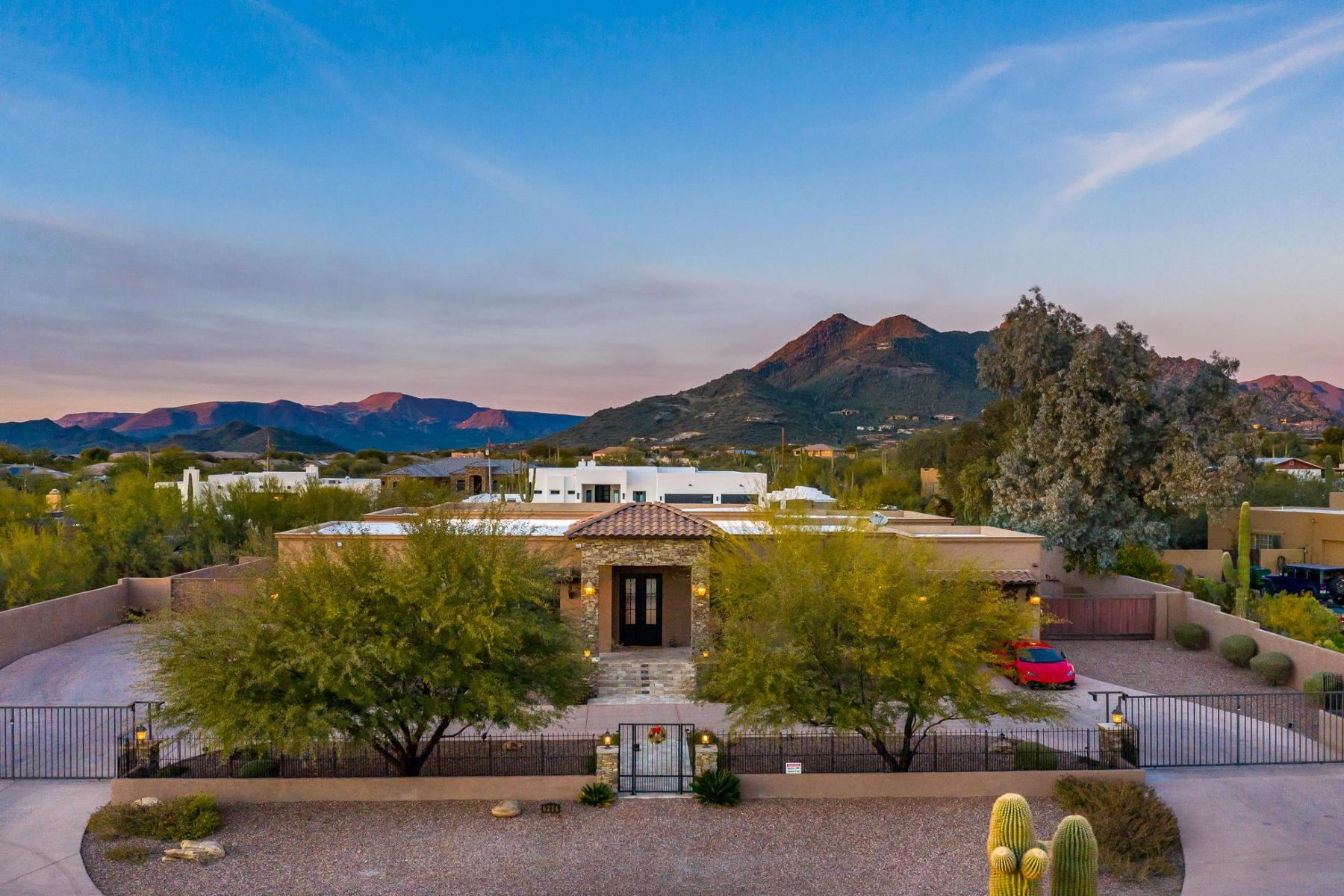Single Family Homes for Active at Beautifully Designed Custom Home 6216 E Dove Valley Road Cave Creek, Arizona 85331 United States