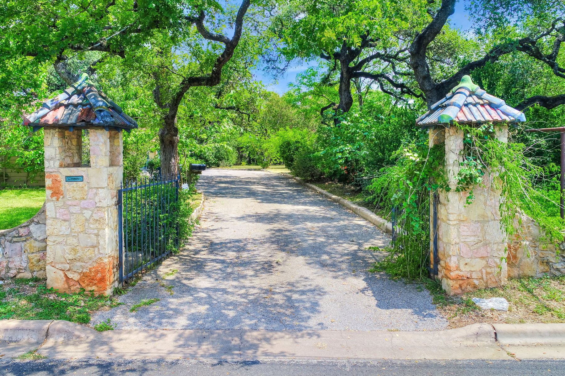 Single Family Home for Sale at Austin's Most Spectacular Land Opportunity 511 Barton Blvd Austin, Texas 78704 United States