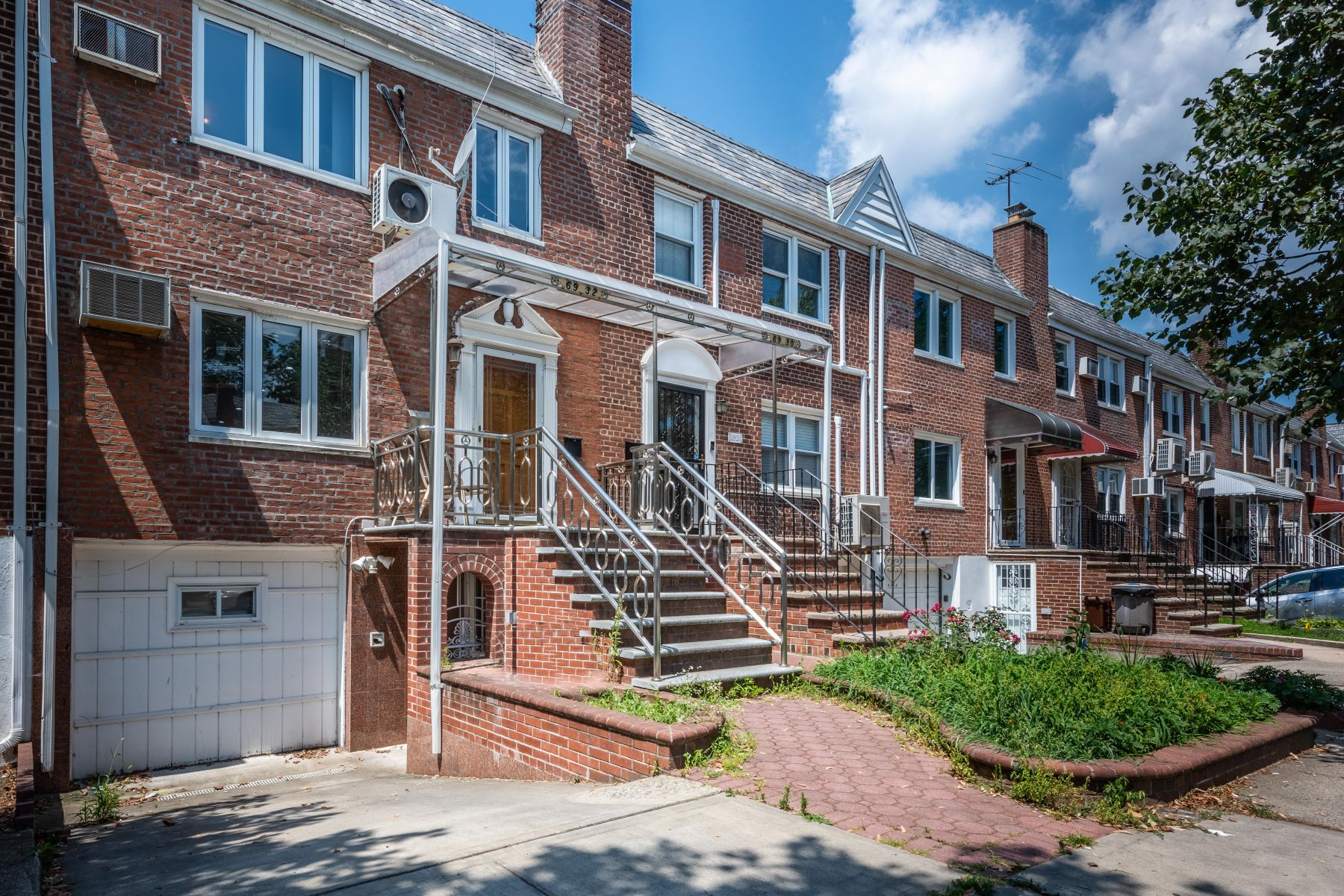 Single Family Homes for Sale at 69-32 198th Street, Fresh Meadows, Ny, 11365 69-32 198th Street Fresh Meadows, New York 11365 United States