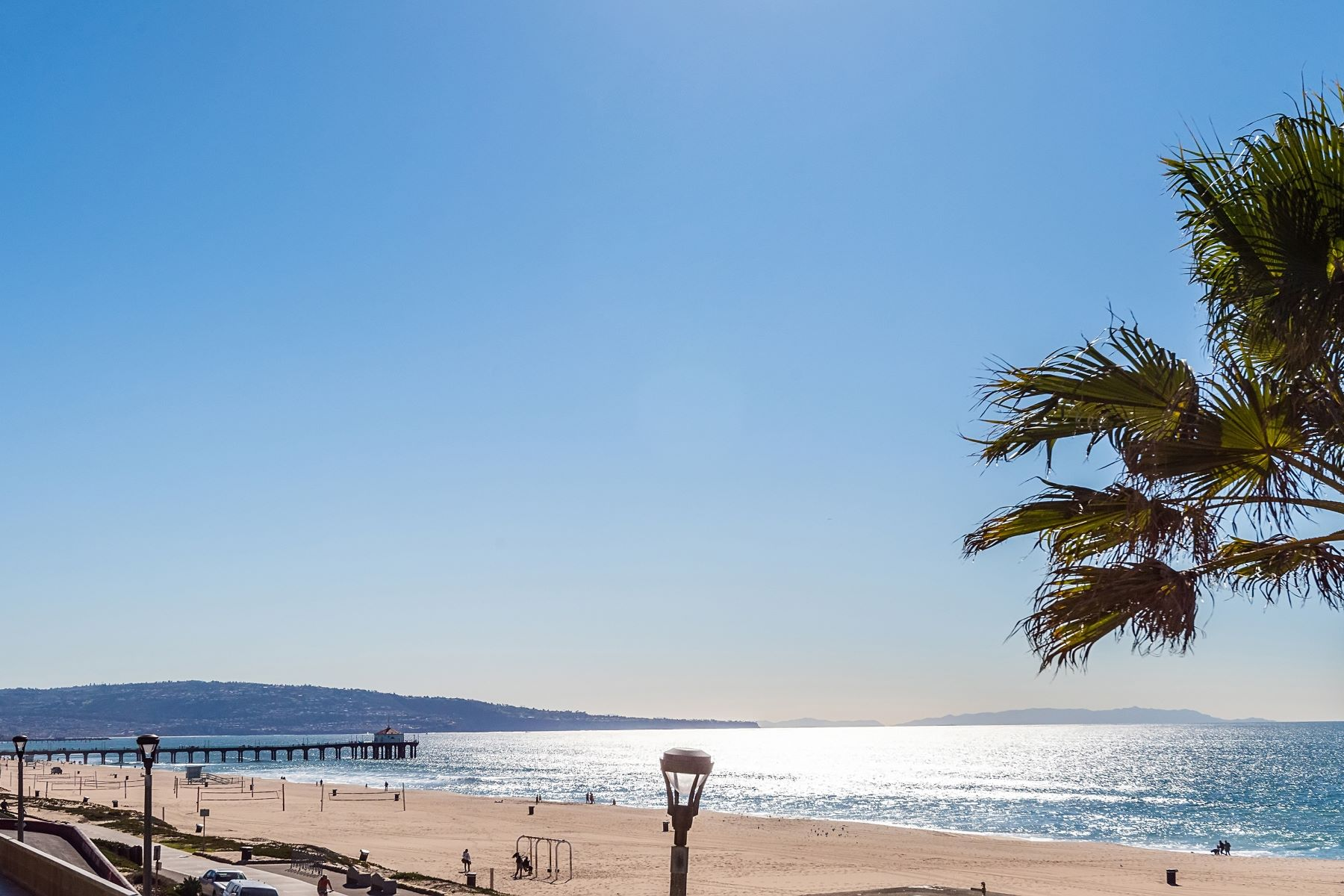 Single Family Homes for Sale at 2304 The Strand, Manhattan Beach, CA 90266 2304 The Strand Manhattan Beach, California 90266 United States