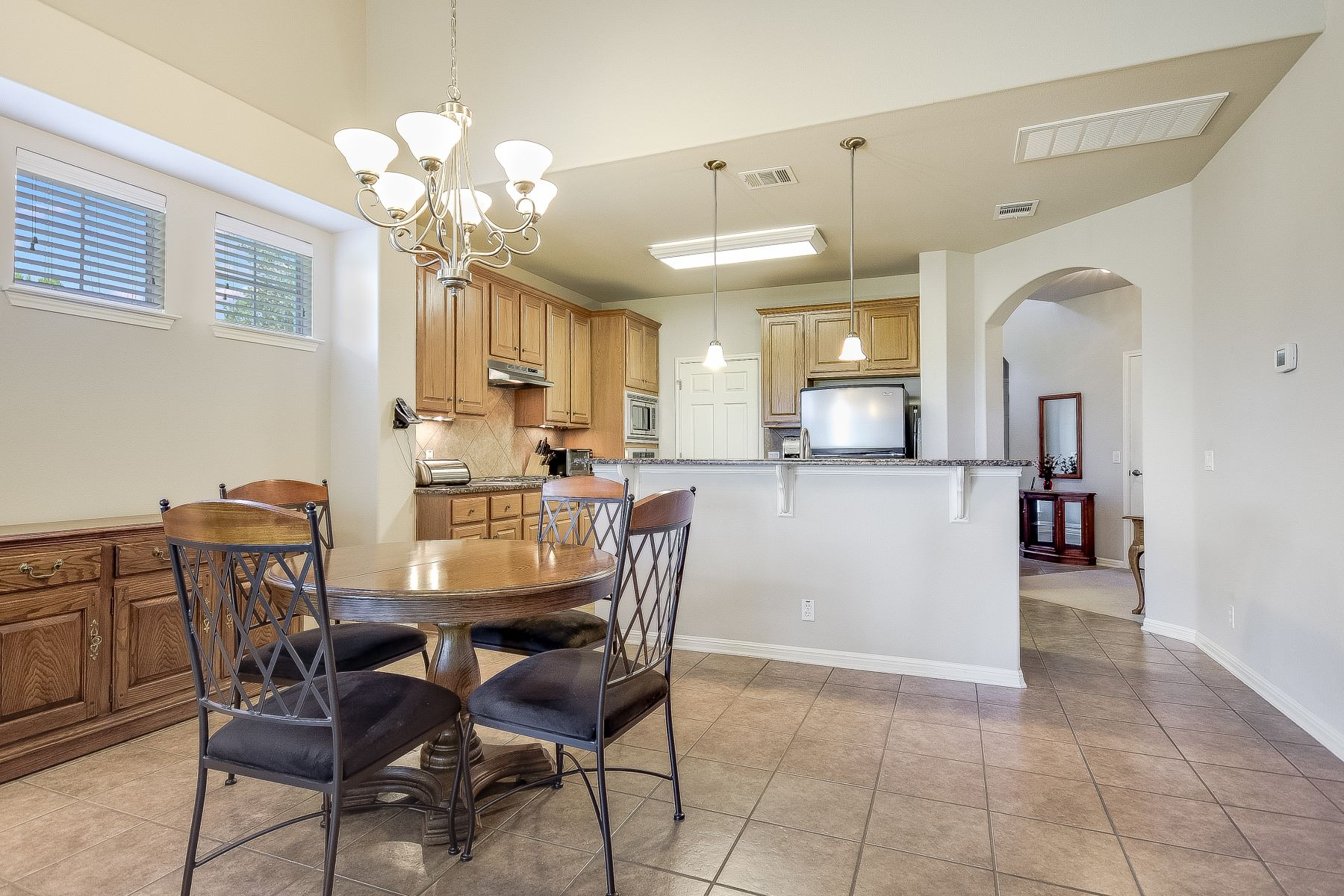 Additional photo for property listing at Exceptional Condo in Gated Community 7901 Southwest Parkway Austin, Texas 78735 United States