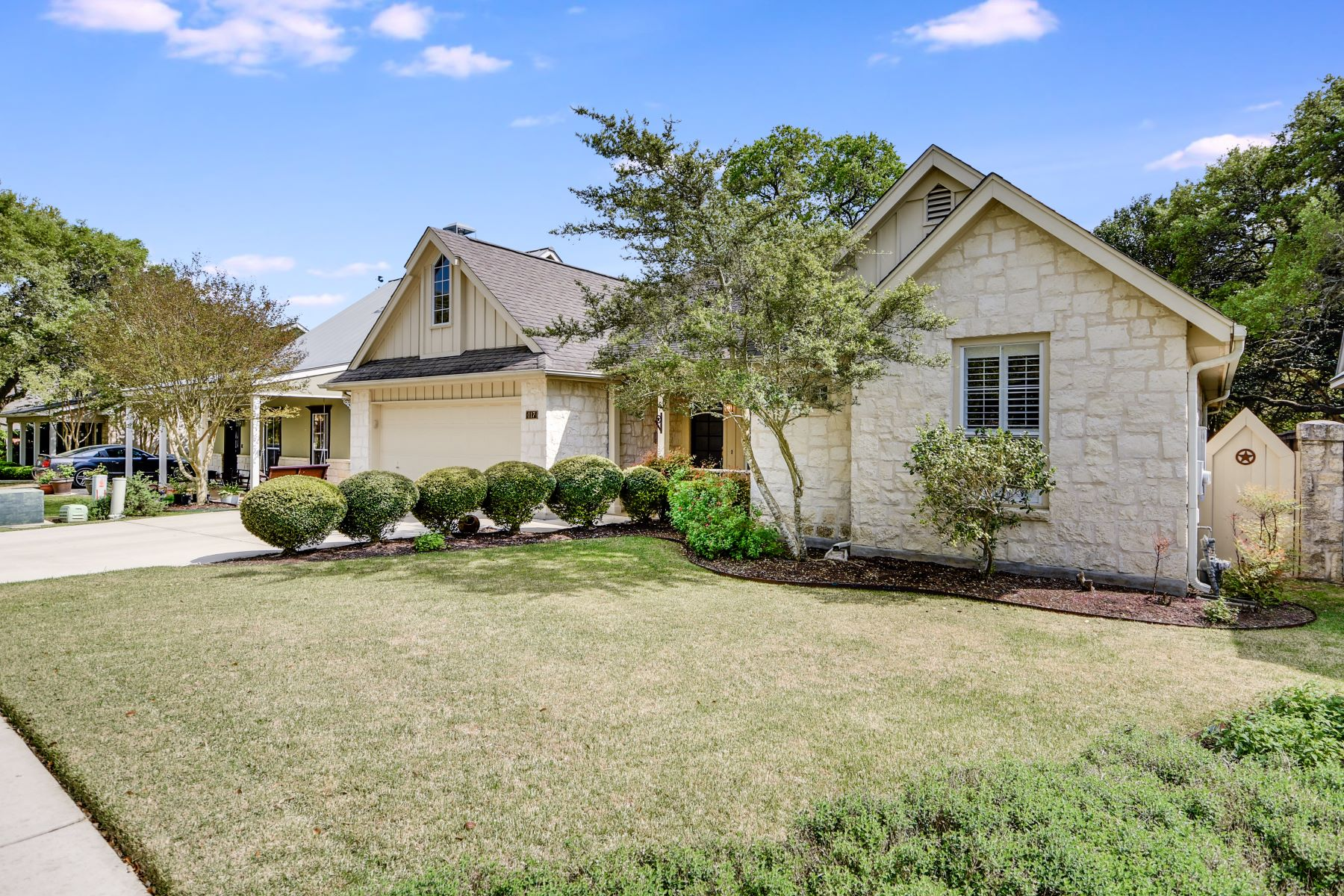 Single Family Home for Sale at 117 Village Cove, Boerne, TX 78006 117 Village Cove Boerne, Texas 78006 United States