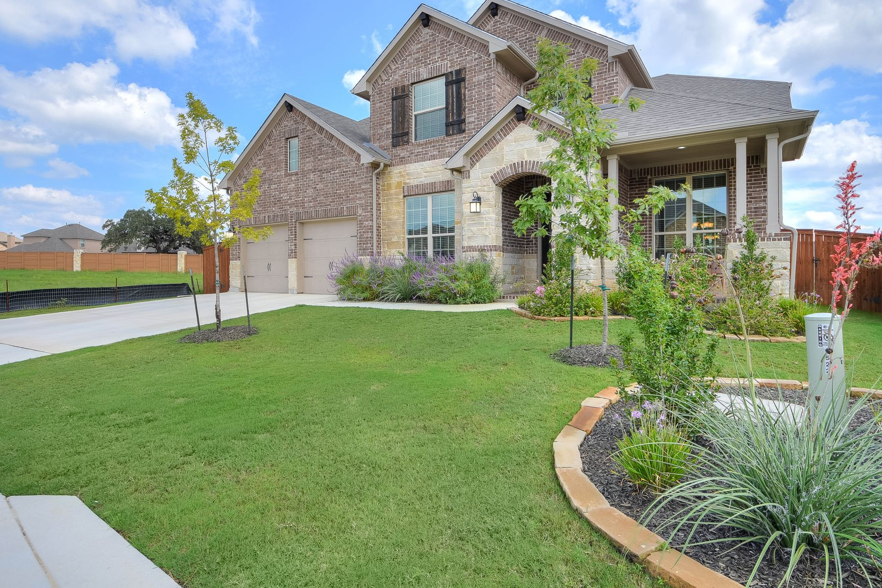 Single Family Home for Sale at Beautiful Highland Home in Stillwater Ranch 7522 Foss Aly, San Antonio, Texas, 78254 United States