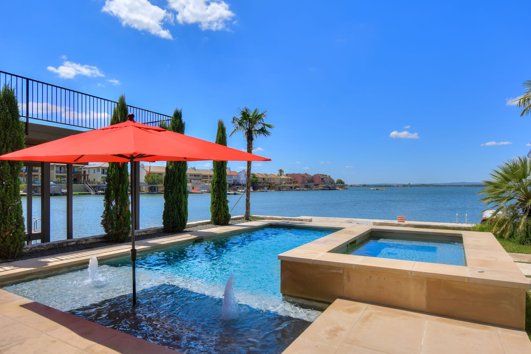 Single Family Homes for Active at Fabulous Estate on Stunning Lake LBJ 104 Bunny Run Lane on Lake LBJ Horseshoe Bay, Texas 78657 United States