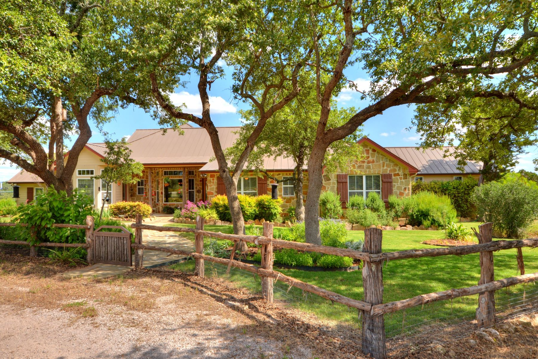 단독 가정 주택 용 매매 에 Wolf Creek Ranch in the Texas Hill Country 3401 Wolf Creek Ranch Road, Burnet, 텍사스, 78611 미국