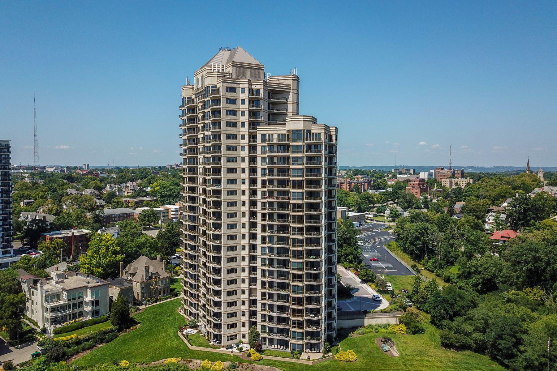 Condominiums por un Venta en 1201 Edgecliff Place, Cincinnati, OH 45206 1201 Edgecliff Place Unit 1162 Cincinnati, Ohio 45206 Estados Unidos