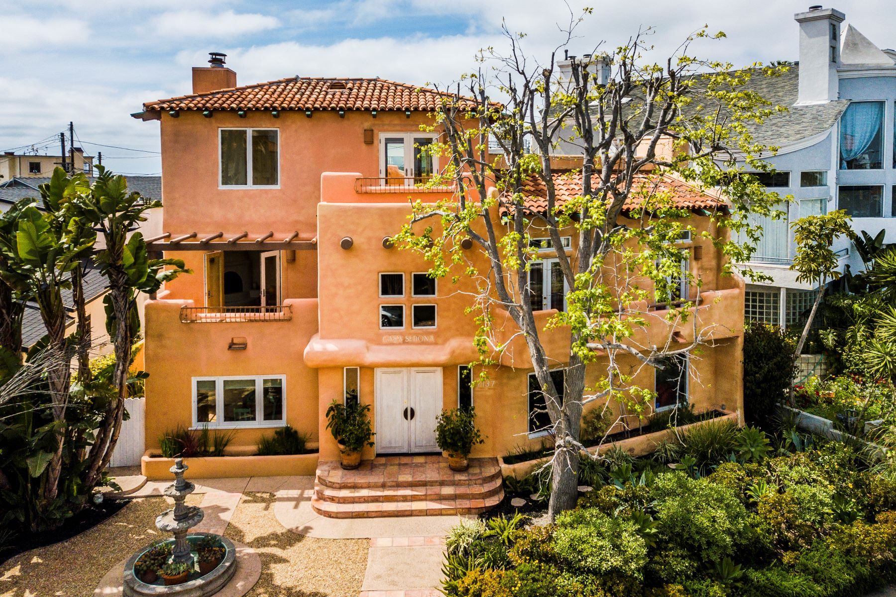 Single Family Homes for Sale at 7137 Trask Avenue, Los Angeles, CA 90293 7137 Trask Avenue Playa Del Rey, California 90293 United States