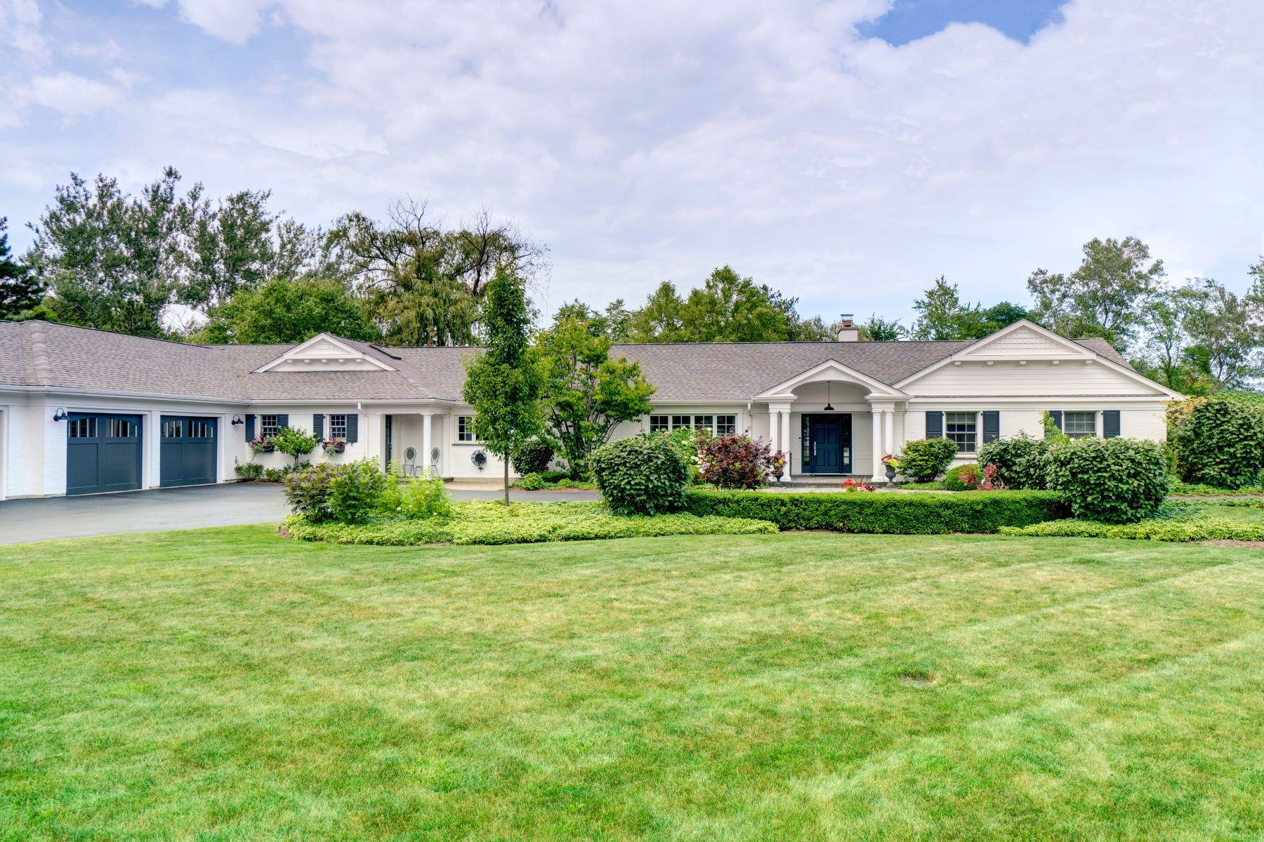 Single Family Homes για την Πώληση στο Tastefully Renovated 2291 Birchwood Lane, Northfield, Ιλινοϊσ 60093 Ηνωμένες Πολιτείες