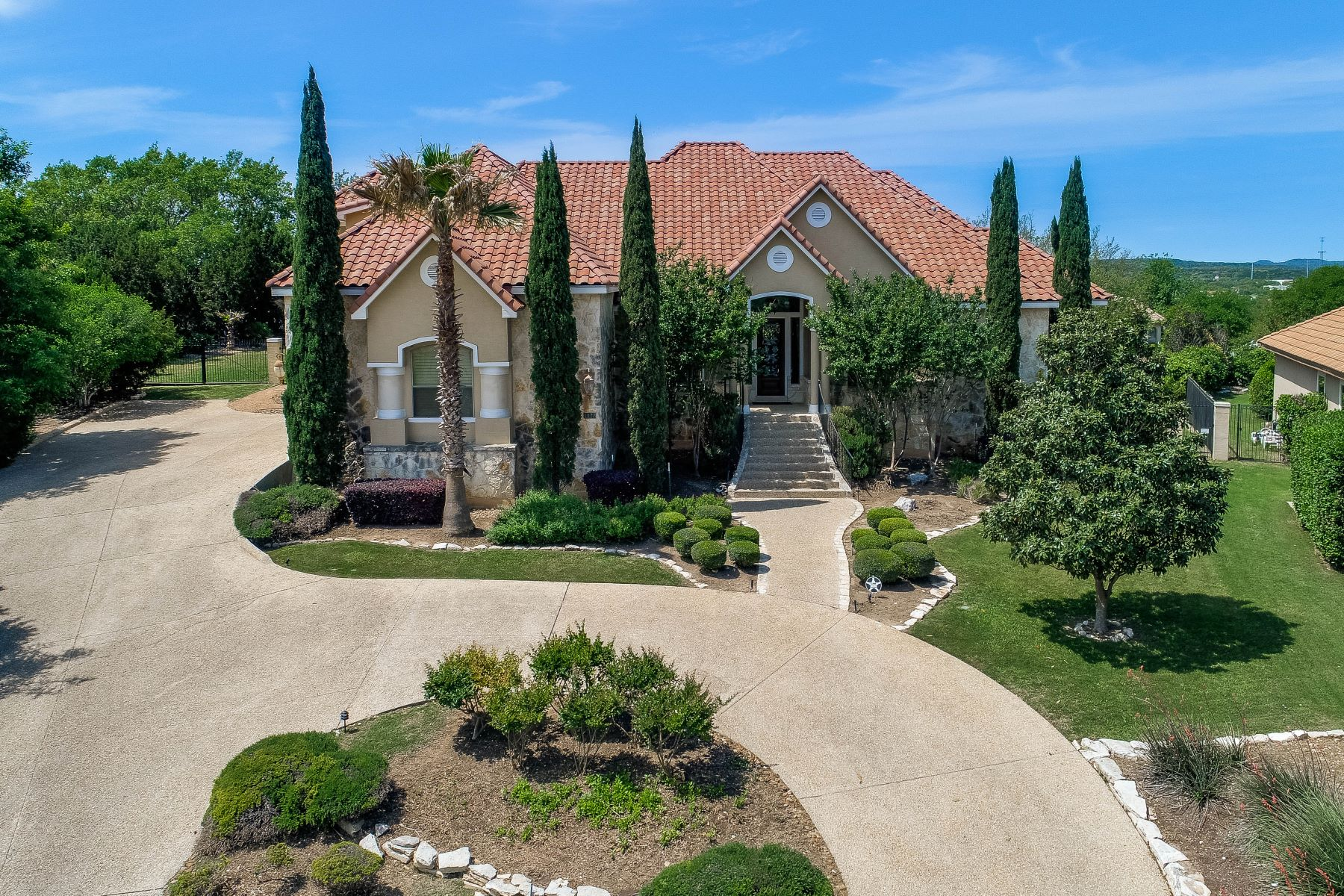 獨棟家庭住宅 為 出售 在 Magnificent Home Situated on Hilltop 1127 Marchesi, San Antonio, 德克薩斯州, 78258 美國