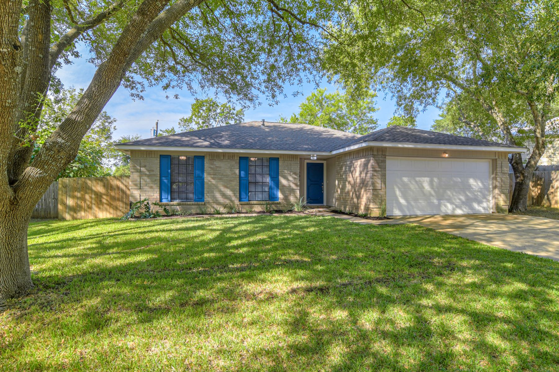 Single Family Homes for Sale at 1503 Pigeon Forge Road, Pflugerville, TX 78660 Pflugerville, Texas 78660 United States