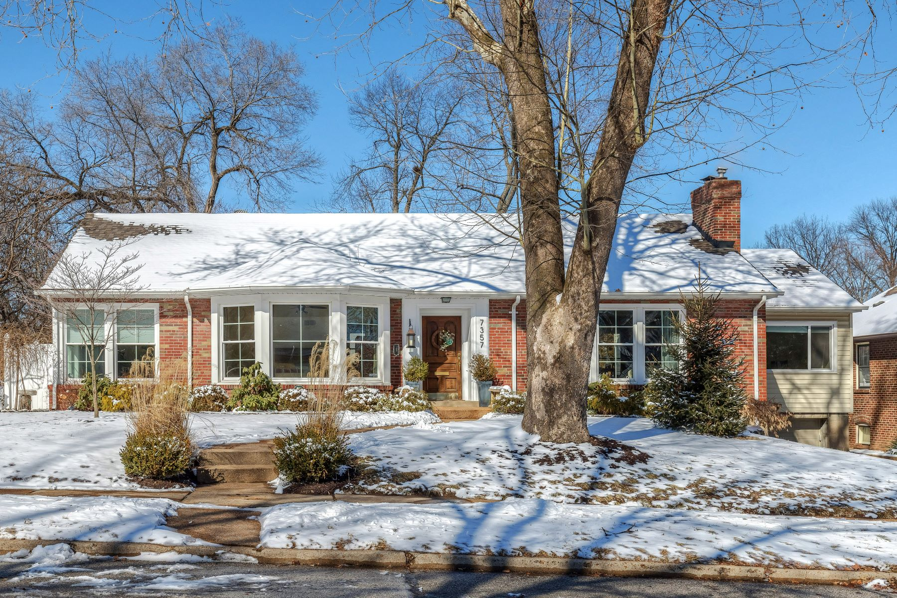 Single Family Home for Sale at 7357 Dorset Avenue, University City, MO 63130 7357 Dorset Avenue University City, Missouri 63130 United States