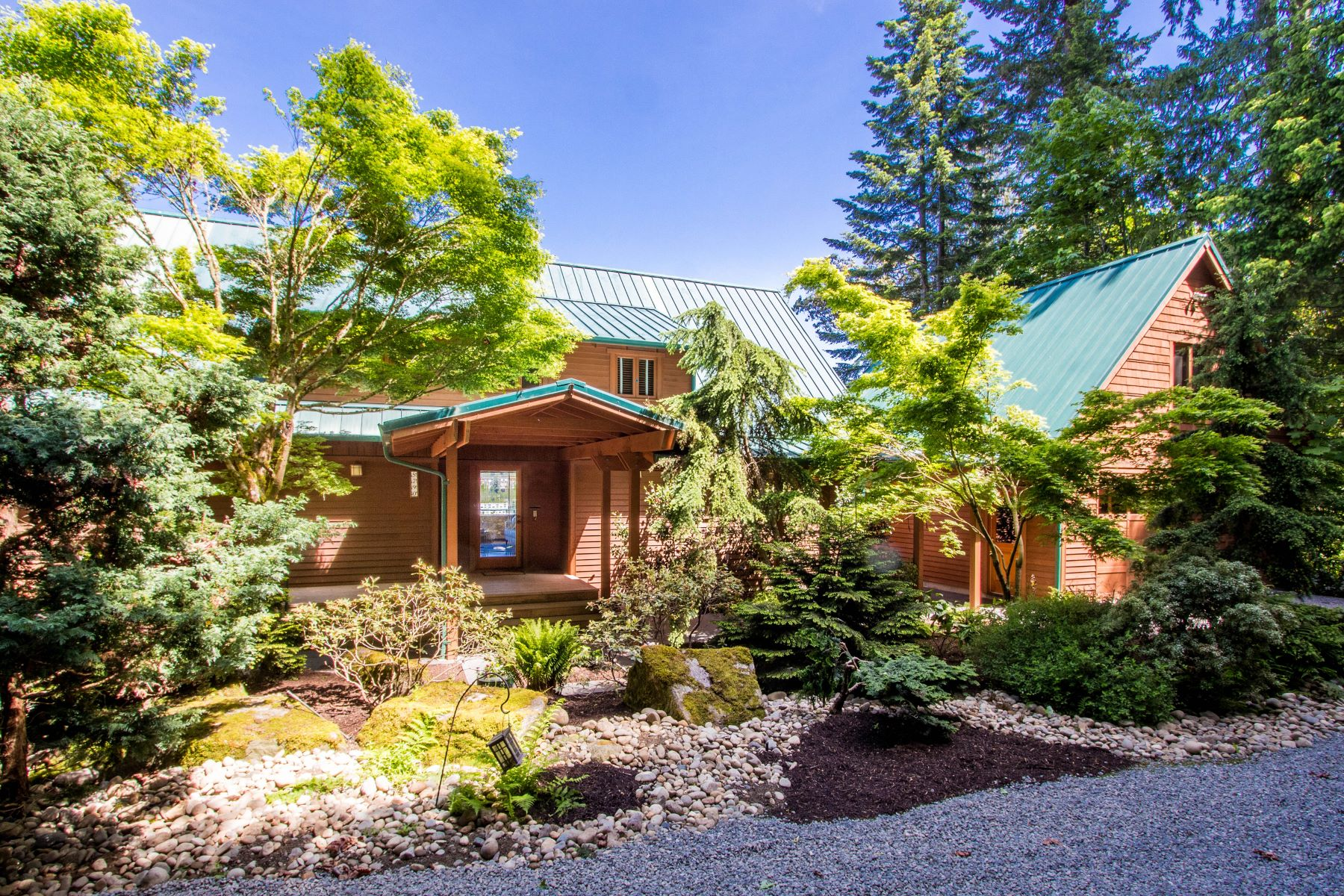 Single Family Homes for Sale at 5790 Packard Lane NE, Bainbridge Island, WA 98110 5790 Packard Lane NE Bainbridge Island, Washington 98110 United States