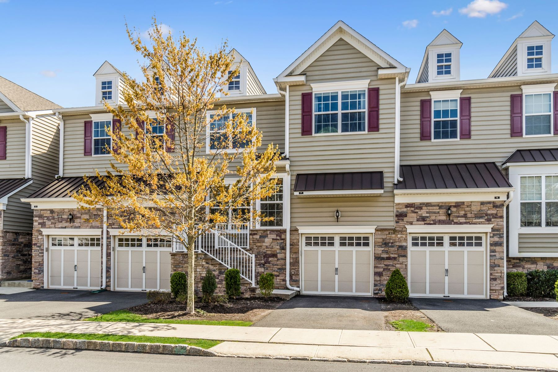 townhouses للـ Sale في A Designer Feel To This Montgomery Ridge Home 7 Braeburn Drive, Skillman, New Jersey 08558 United States