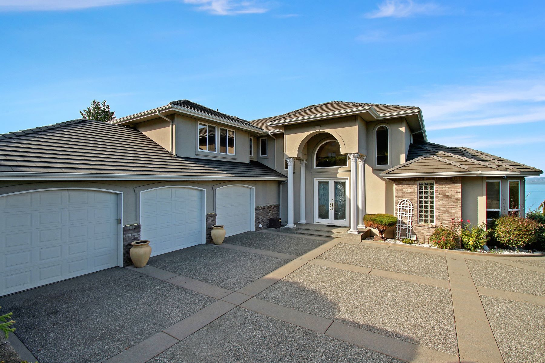Single Family Homes 용 매매 에 1425 Mukilteo Lane, Mukilteo, WA 98275 Mukilteo, 워싱톤 98275 미국