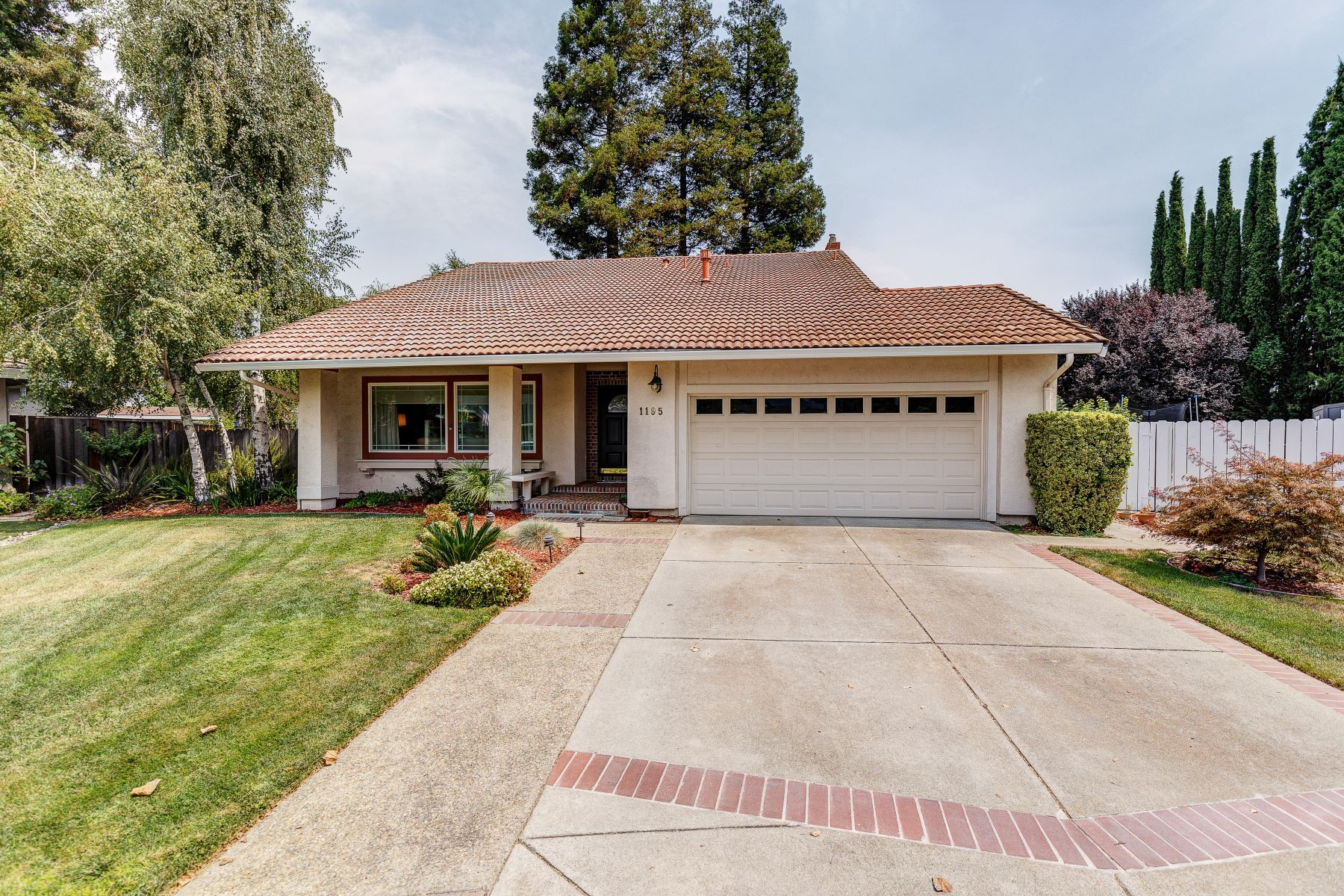 Single Family Homes for Active at 1195 Autumn Court, Pleasanton, CA 94566 1195 Autumn Court Pleasanton, California 94566 United States